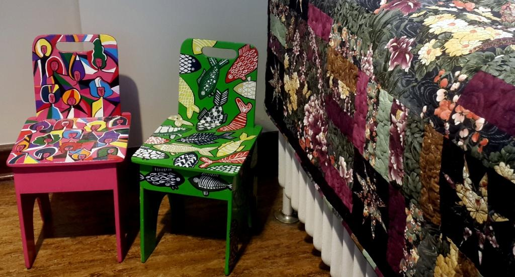 """Cher rouge""  ""School chair""  from artyfacts: Emily rietveld.        Quilt: ""floral dreams"":  janine rietveld"