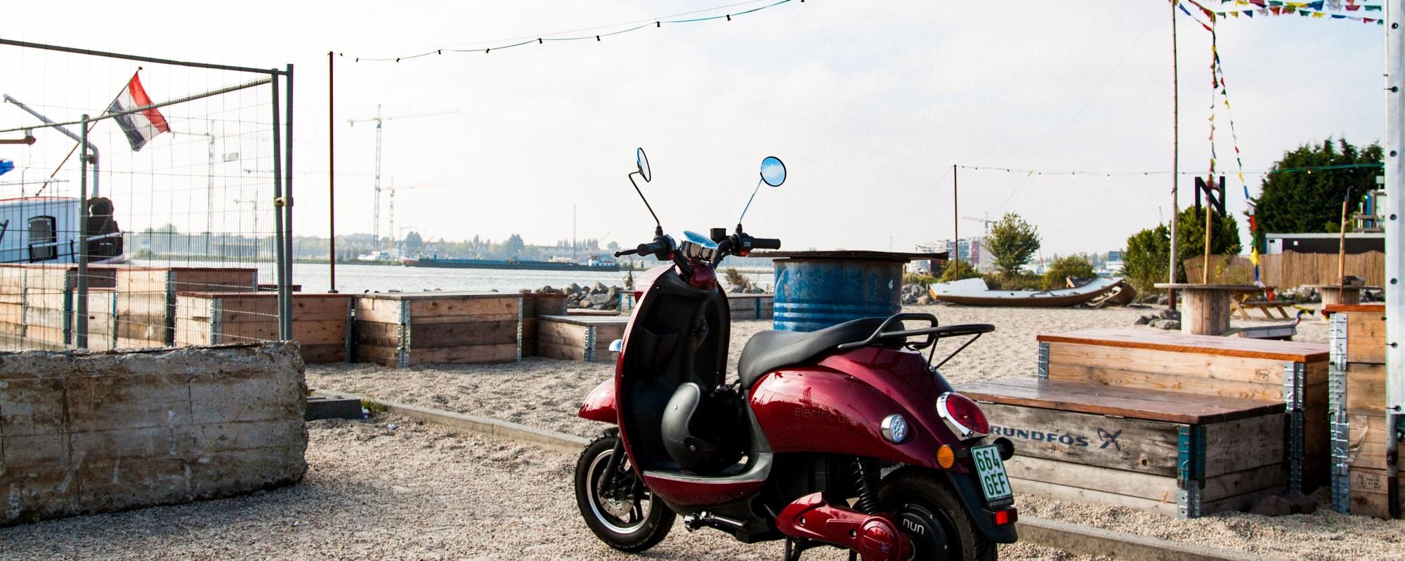 unu electric scooter Amsterdam