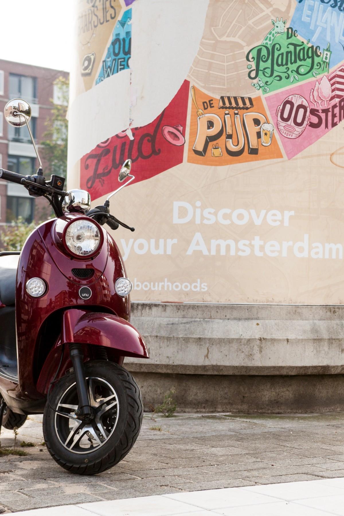 unu Elektroroller in Amsterdam