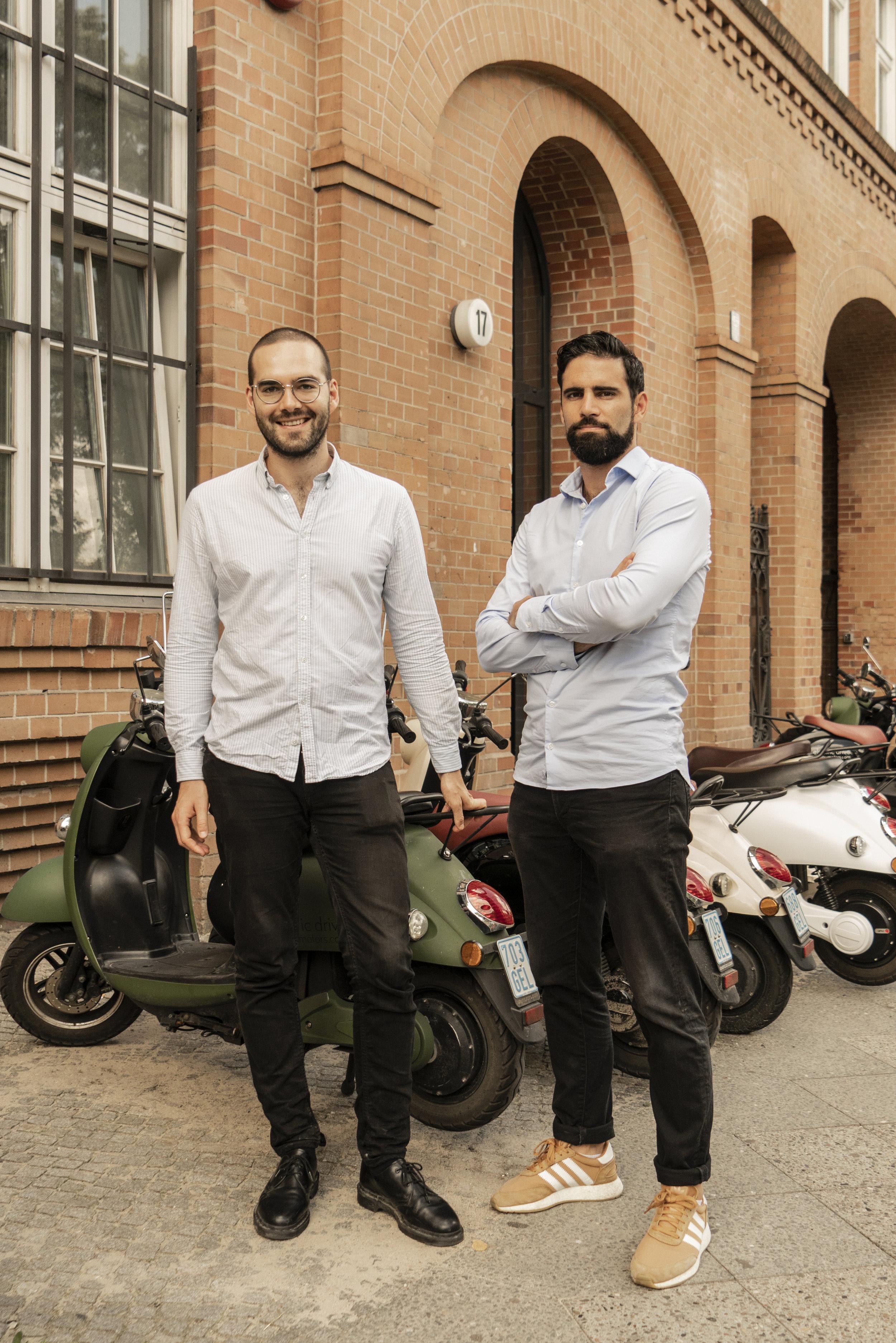 Auch die unu-Gründer Pascal Blum und Mathieu Caudal tragen die Hemden von Labfresh