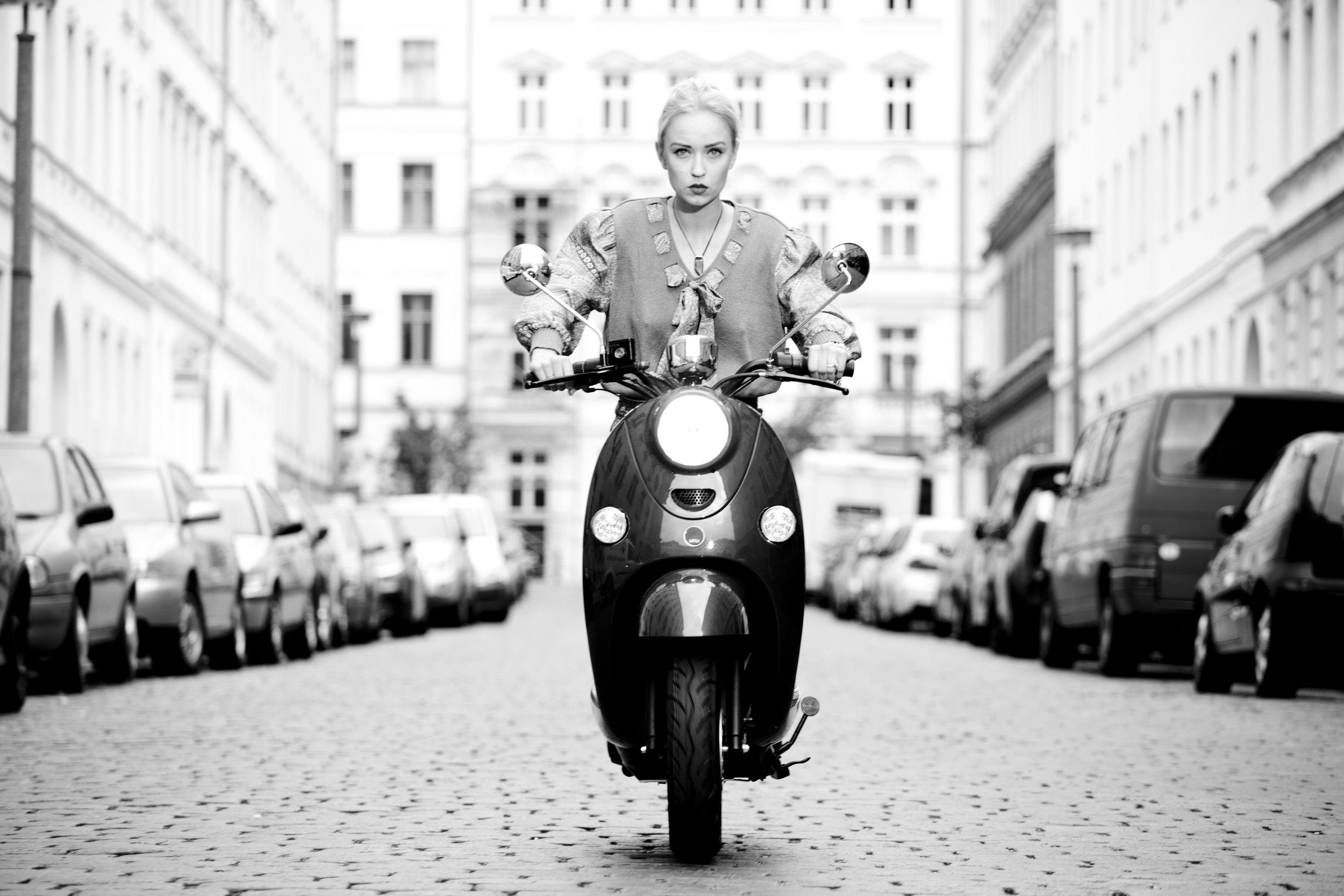 Aus dem Archiv: Caro Cult während einem Fotoshoot mit dem legendären Fotografen Oliver Rath für unu im Jahr 2014