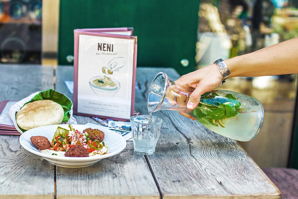 Leckeres und gesundes Essen gibt es in den NENI Restaurants