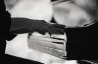 Kirsten Milenko playing the piano