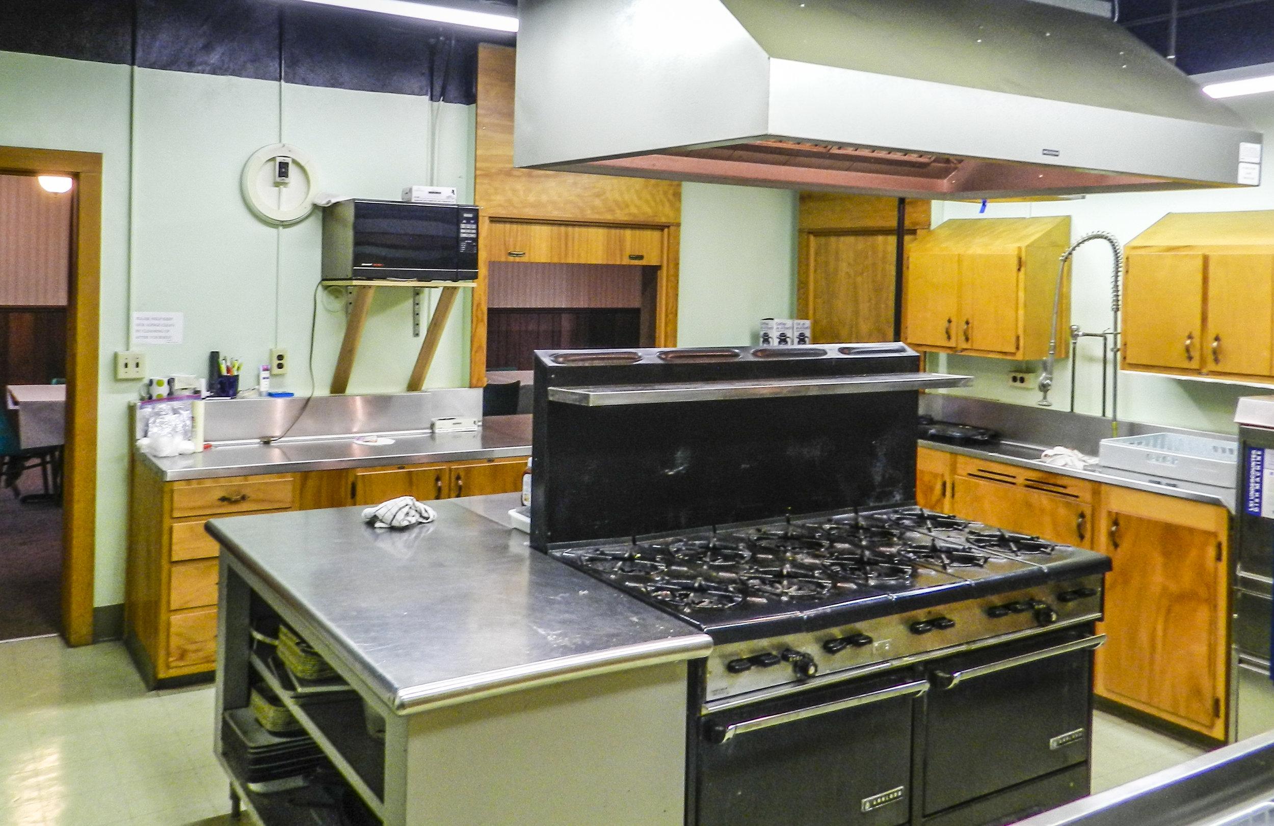Basement Kitchen 1 (1).JPG