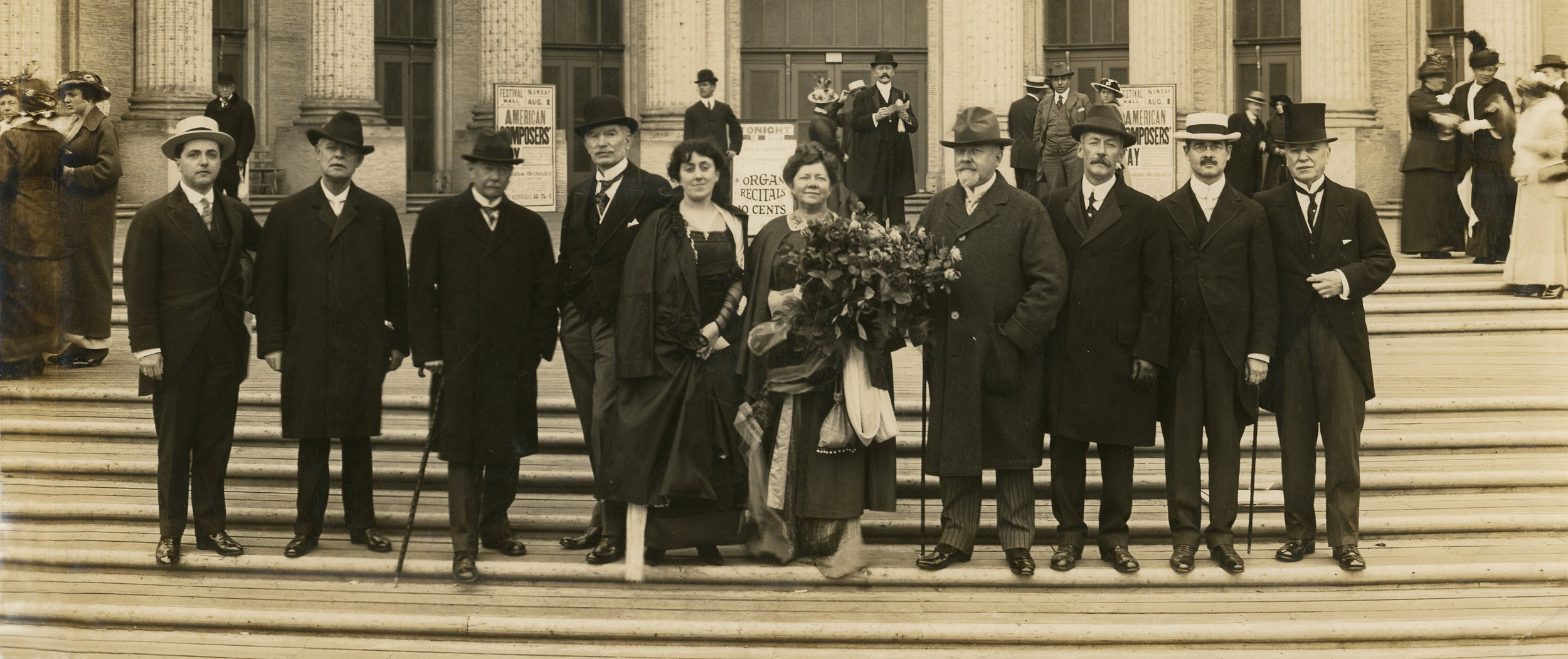 Beach, center with bouquet, with fellow composers at Panama Pacific International Exposition in San Francisco, 1915.