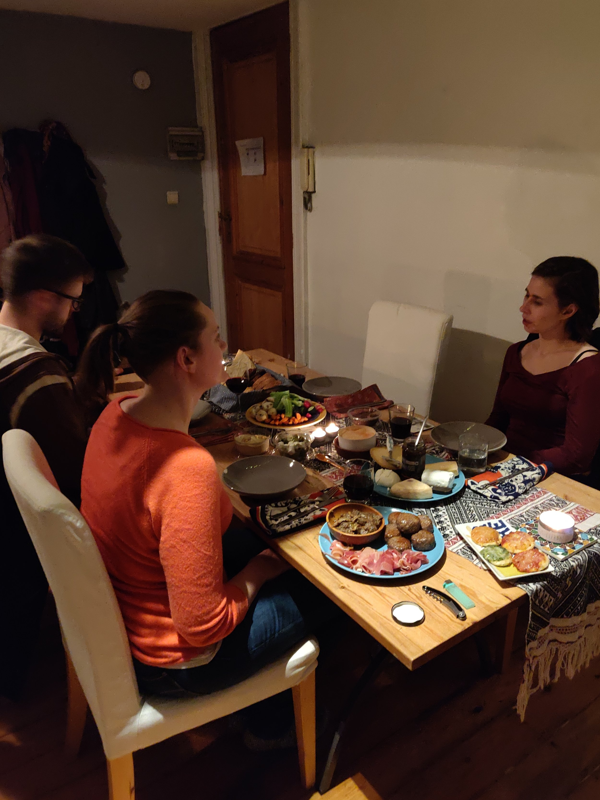 An intimate hygge gathering at home with friends!