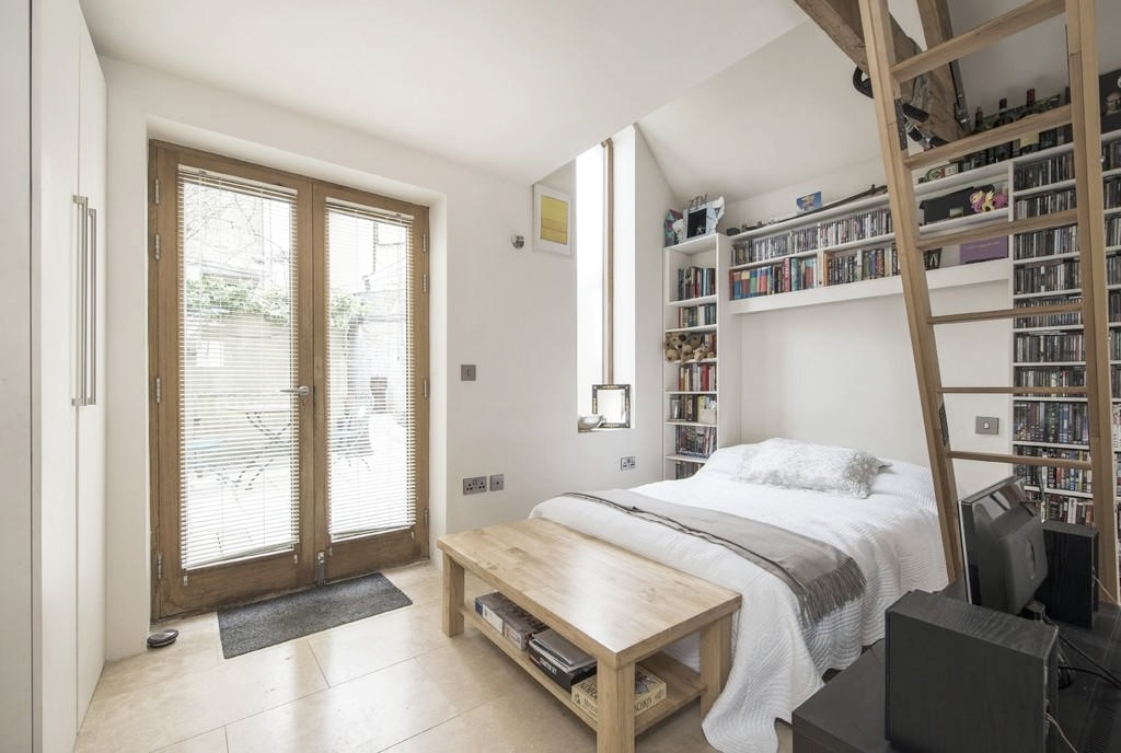 Modern English house design