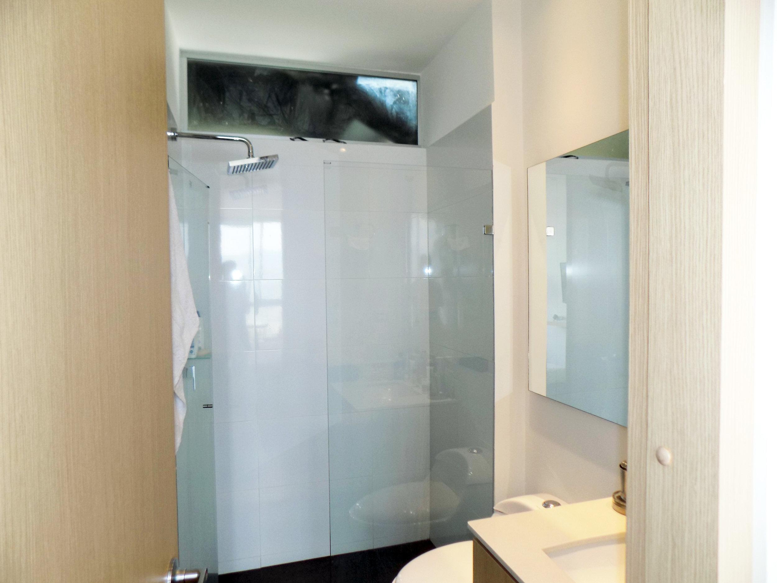 11 Baño Habitación Principal.JPG
