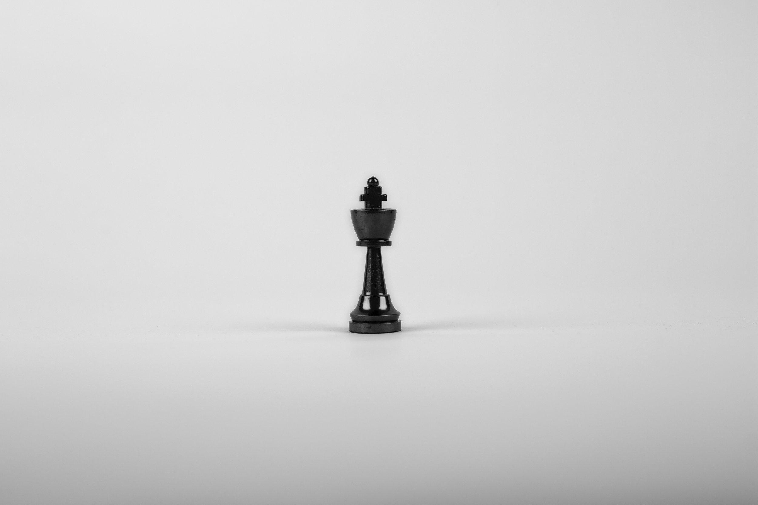 black-and-white-chess-chess-piece-411195.jpg