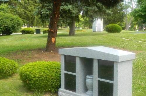 Monument-Bench-Estate-32A-03.jpg
