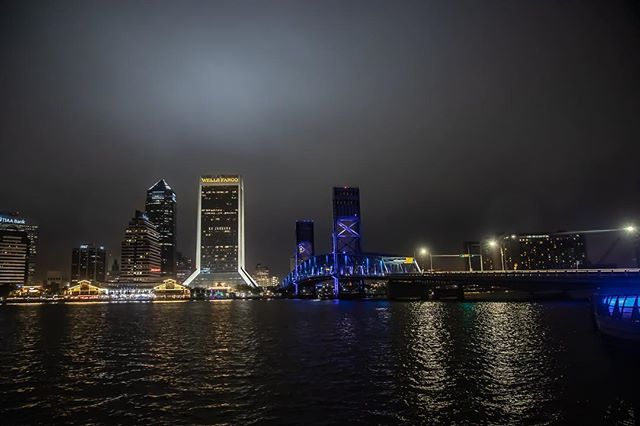 Traveling through Jacksonville for a shoot with @nathanielemane we just had to stop by downtown and get some nighttime pics of this super-awesome, super-quiet city.