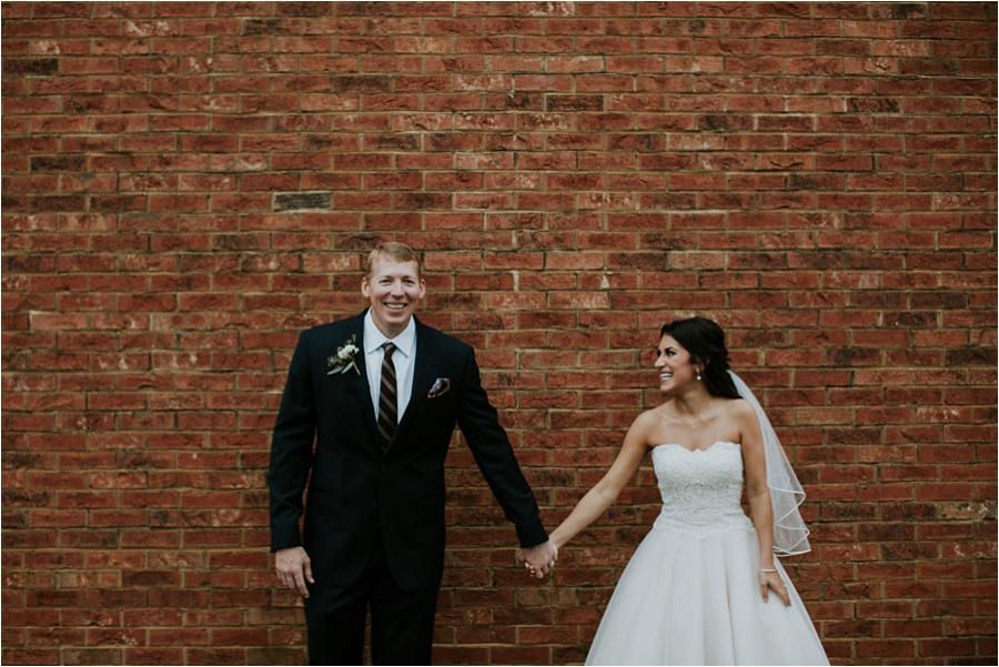 10-catawba-wedding-amore-vita-photography_0021
