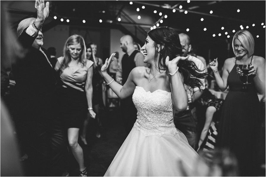 10-catawba-wedding-amore-vita-photography_0031