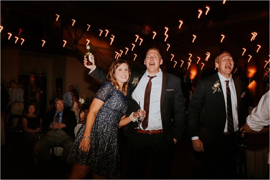 10-catawba-wedding-amore-vita-photography_0034