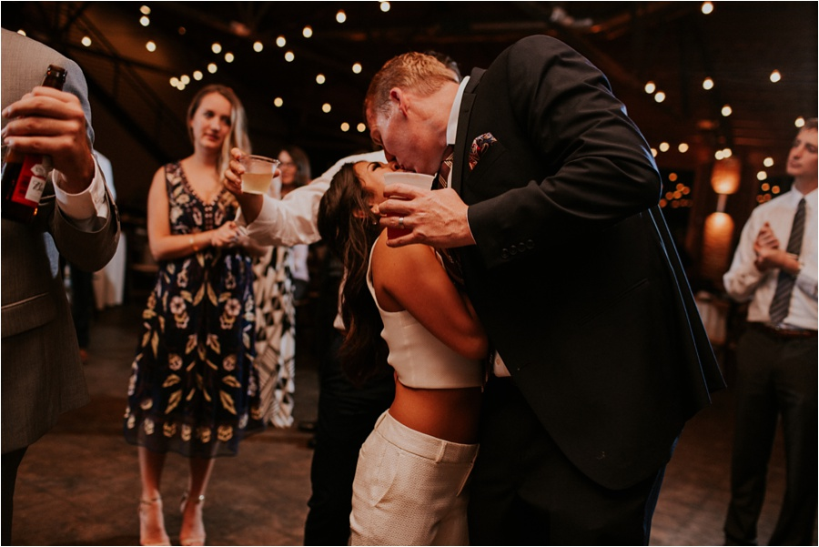 10-catawba-wedding-amore-vita-photography_0036
