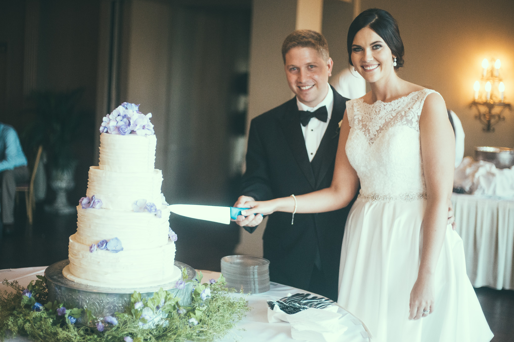 Gadsden Country Club wedding photography in Gadsden, Alabama by David A. Smith of DSmithImages Wedding Photography, Portraits, and Events in Birmingham, Alabama