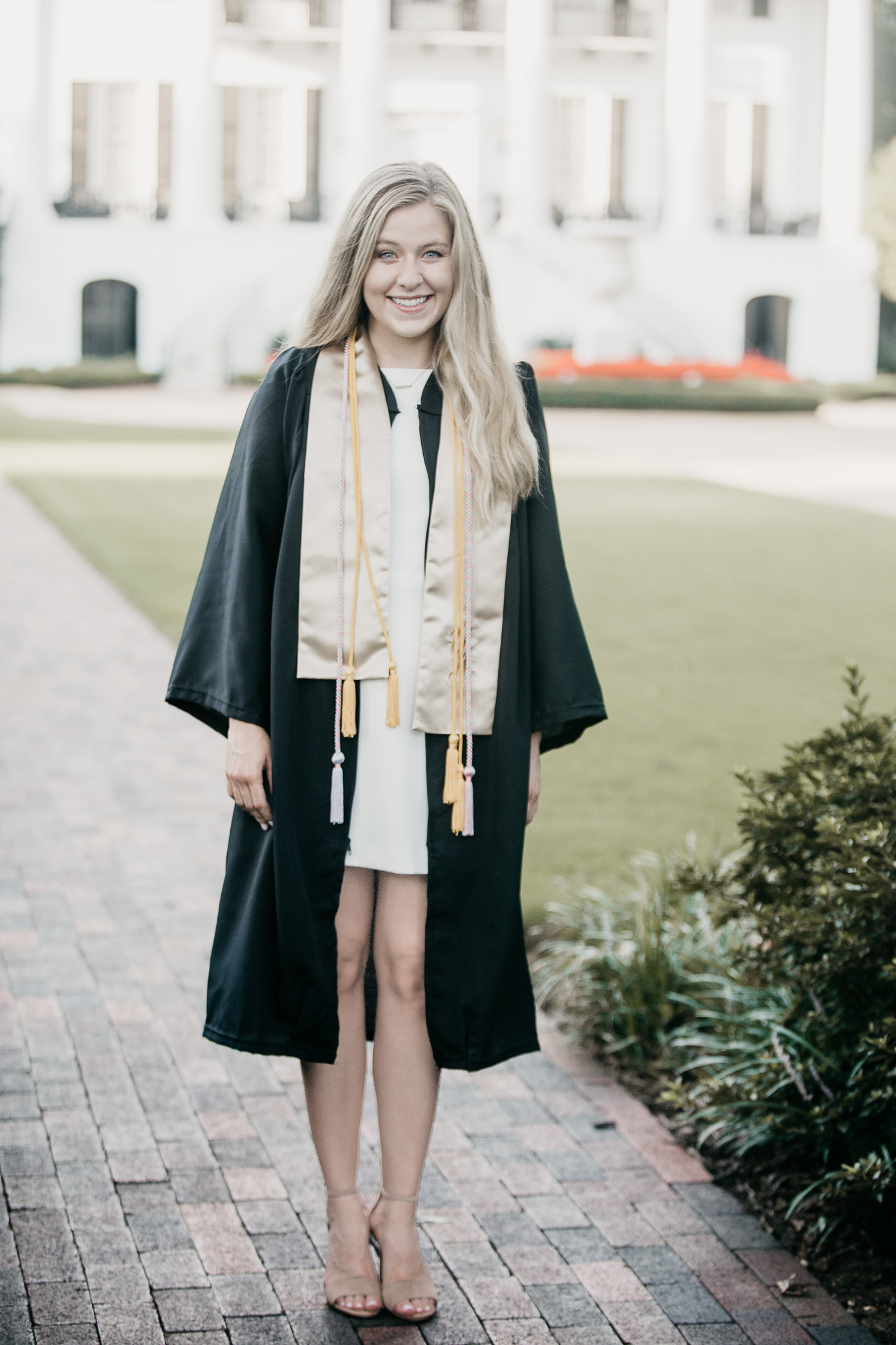 University of Alabama graduation Portraits in Tuscaloosa, Alabama on July 22nd, 2018 by David A. Smith of DSmithImages Wedding Photography, Portraits, and Events in the Birmingham, Alabama area.