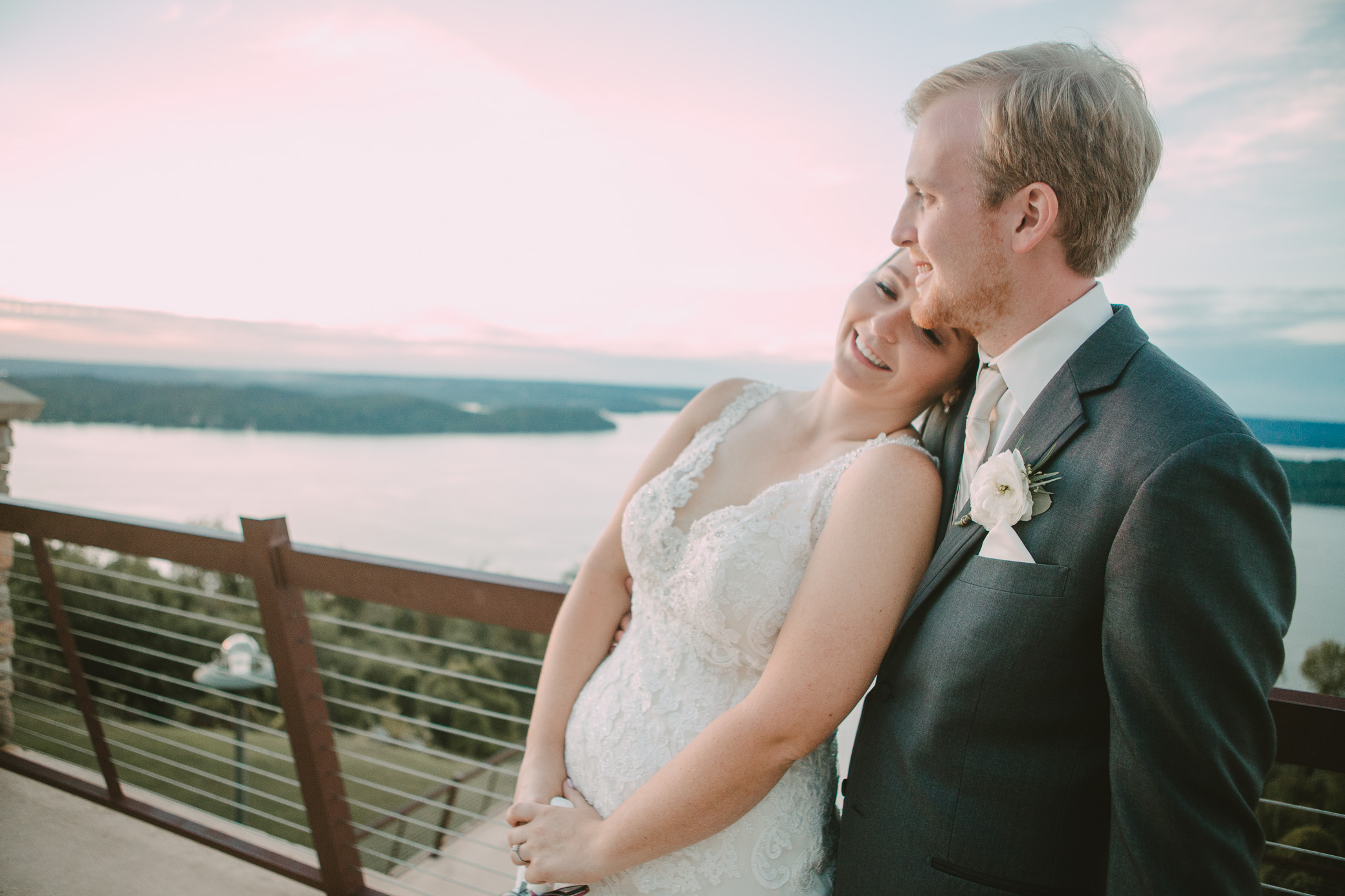 Alabama wedding photography at Lake Guntersville State Park Lodge in Guntersville, Alabama by David A. Smith of DSmithImages Wedding Photography, Portraits, and Events in the Birmingham, Alabama area