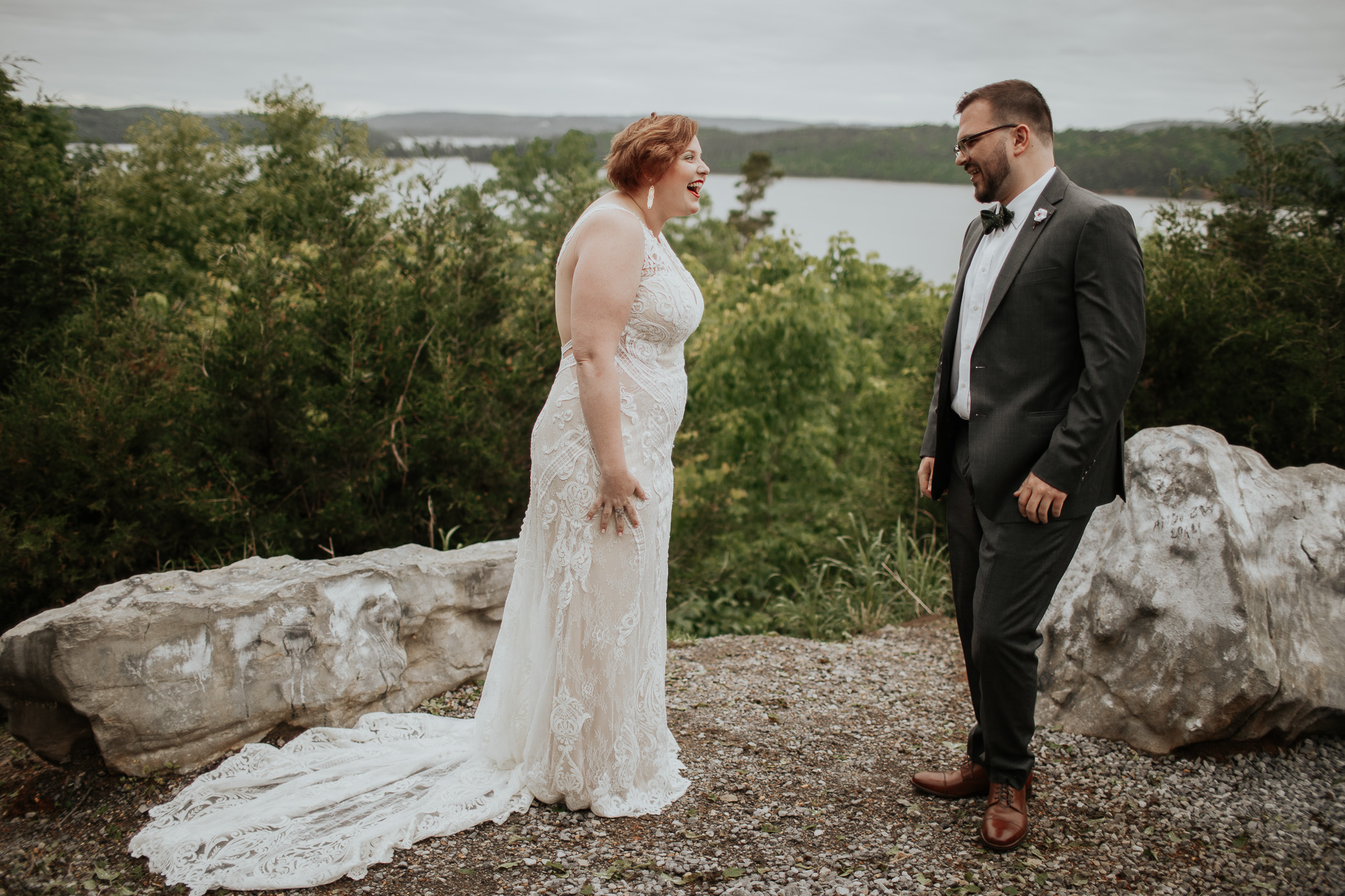 Alabama and Tennessee wedding photography at Lake Guntersville State Park by David A. Smith of DSmithImages Wedding Photography, Portraits, and Events, a wedding photographer in Birmingham, Alabama and Nashville, Tennessee.