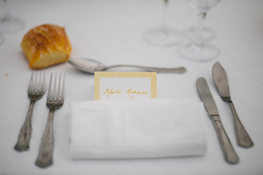 French Destination Wedding - Should we feed our wedding photographer?