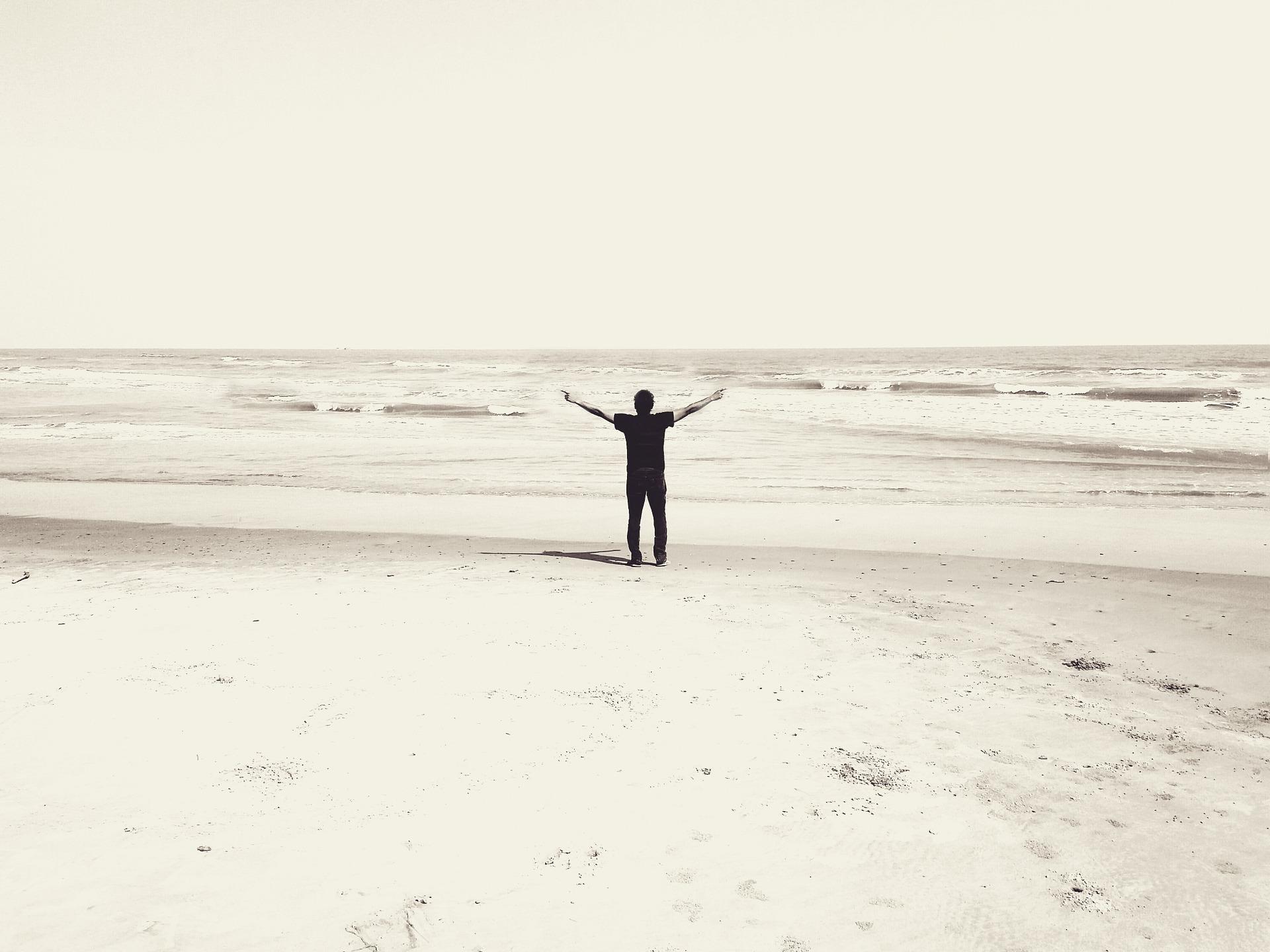 beach-1223694_1920.jpg