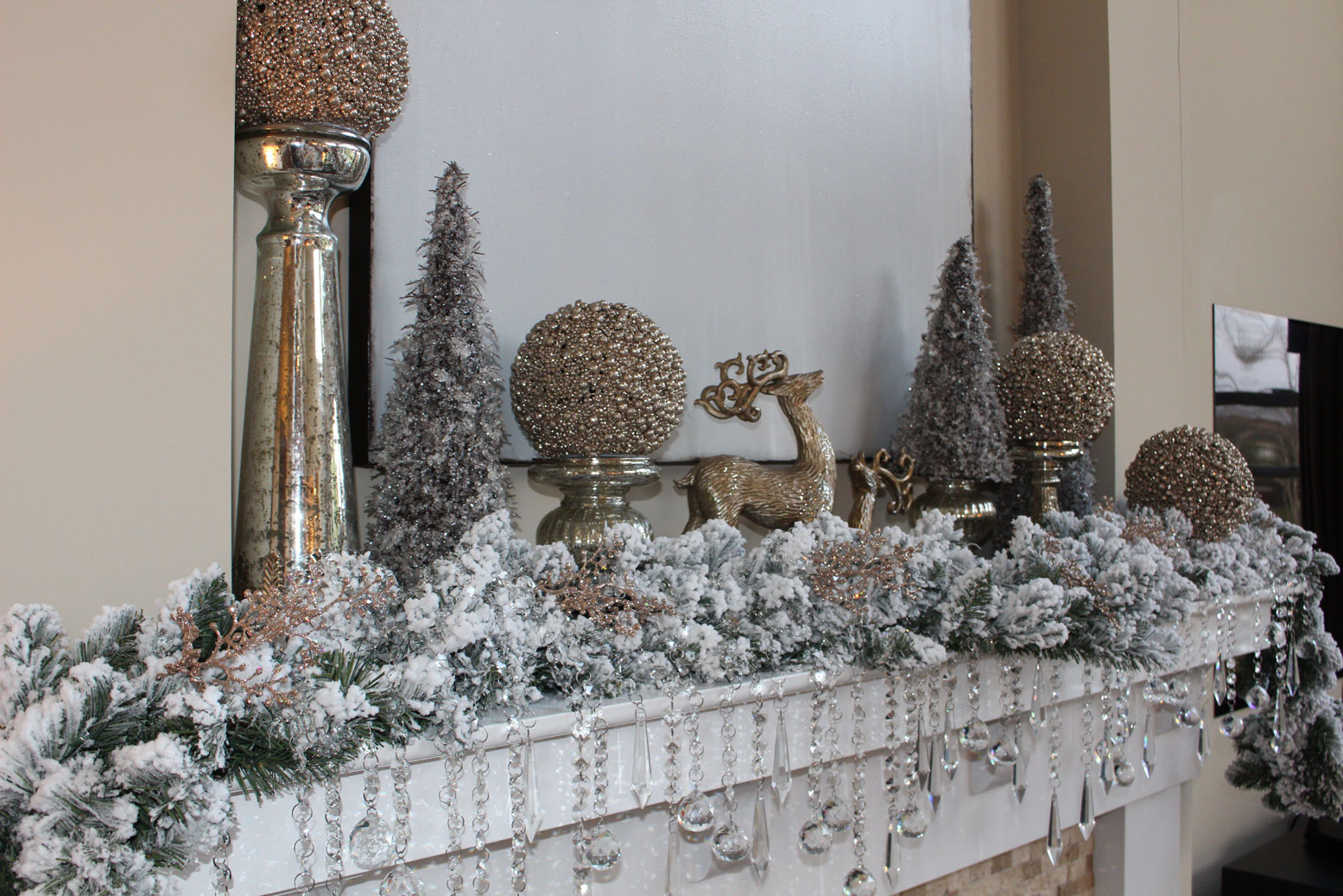 Farah Merhi Winter Wonderland, Fireplace Mantle