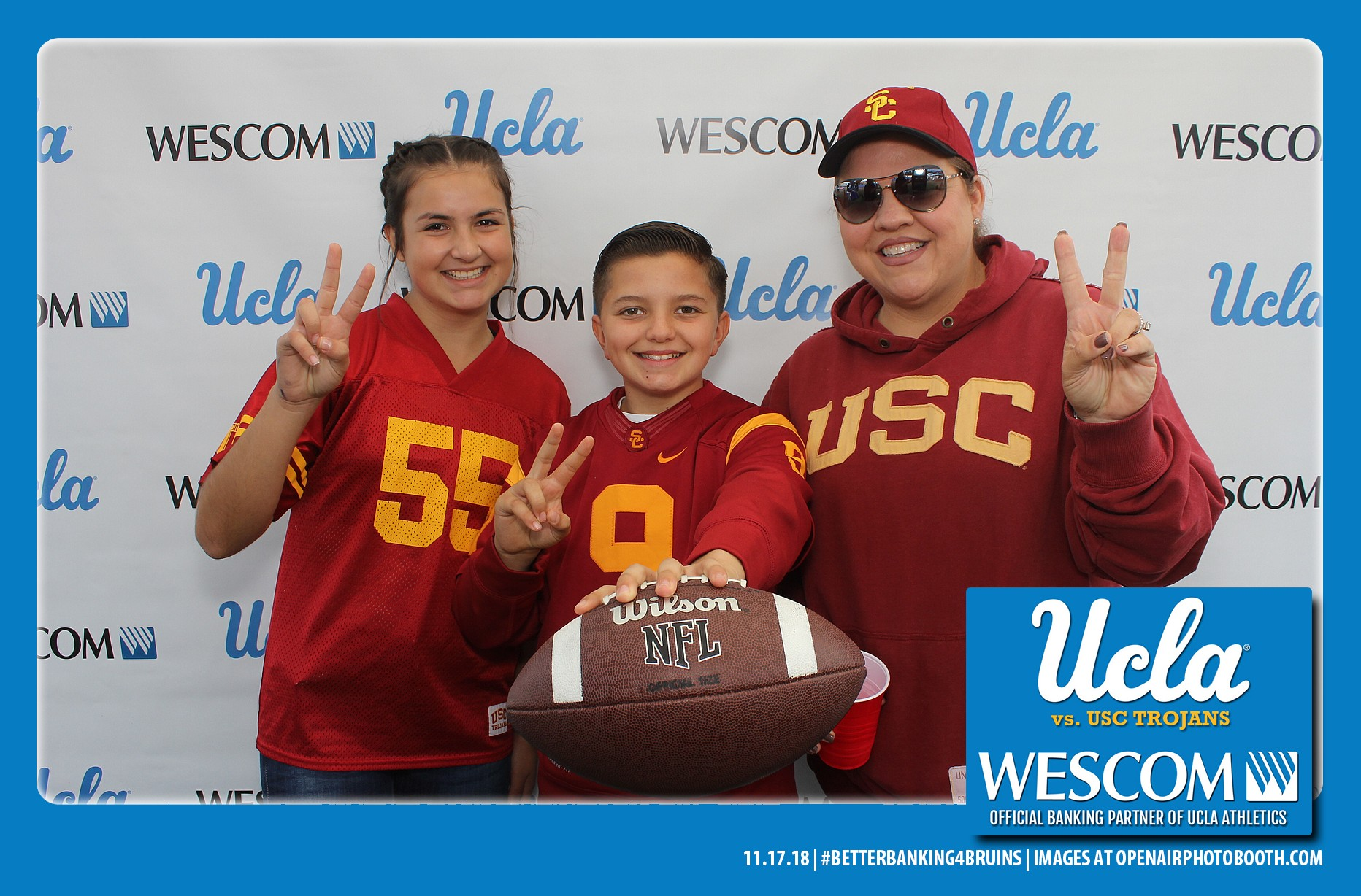 usc fans open air photobooth