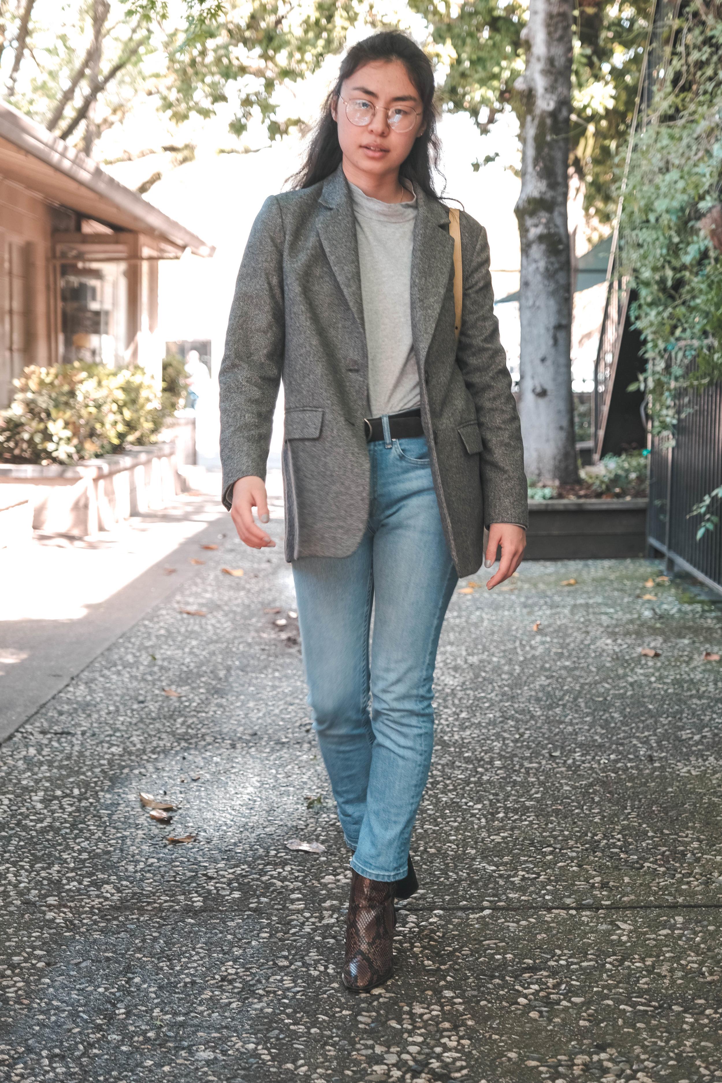 - blazer & mock neck - everlanedenim - everlane modern boyfriendpurse - vintage guccibelt - levi'sboots - zara