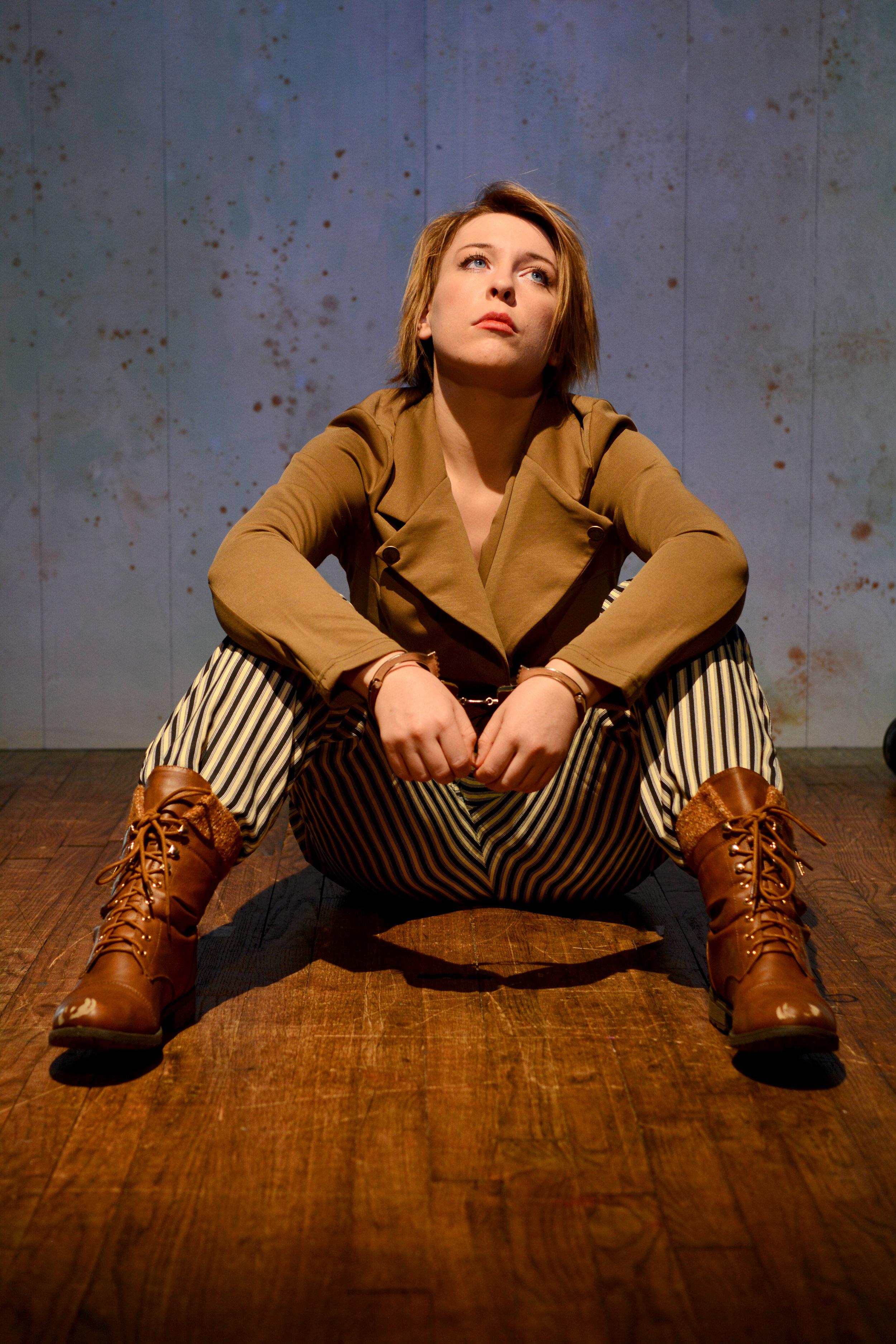 Isabel Kruse as Thornley
