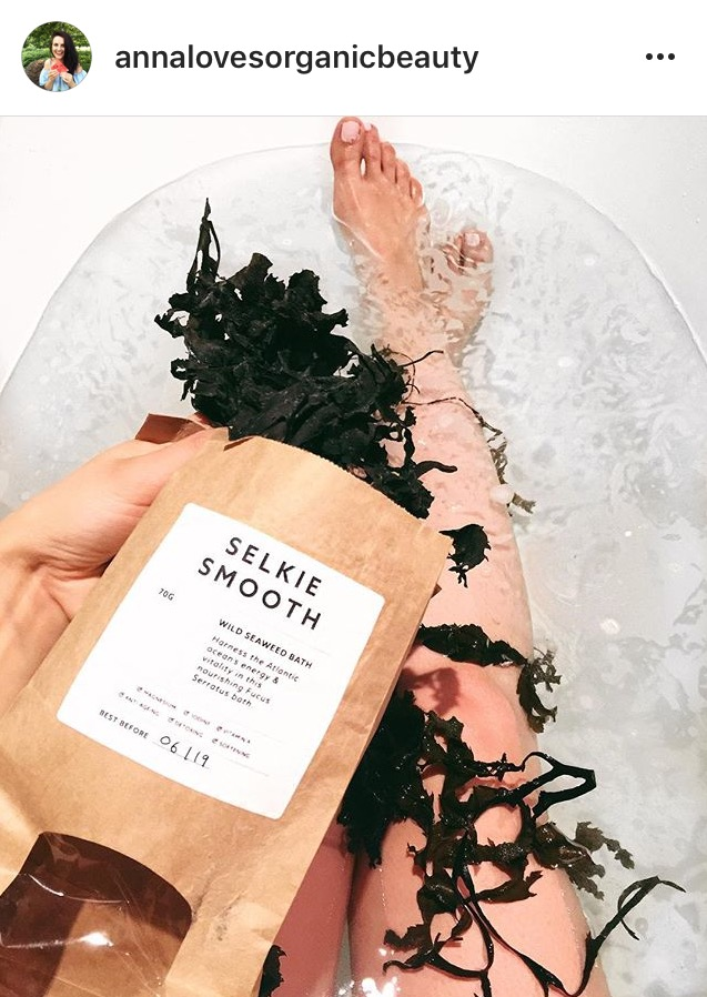 Organic beauty blogger Anna tries out our seaweed bath...