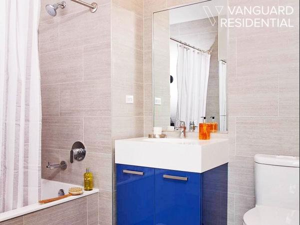 45-50-pearson-12j-bathroom.jpg