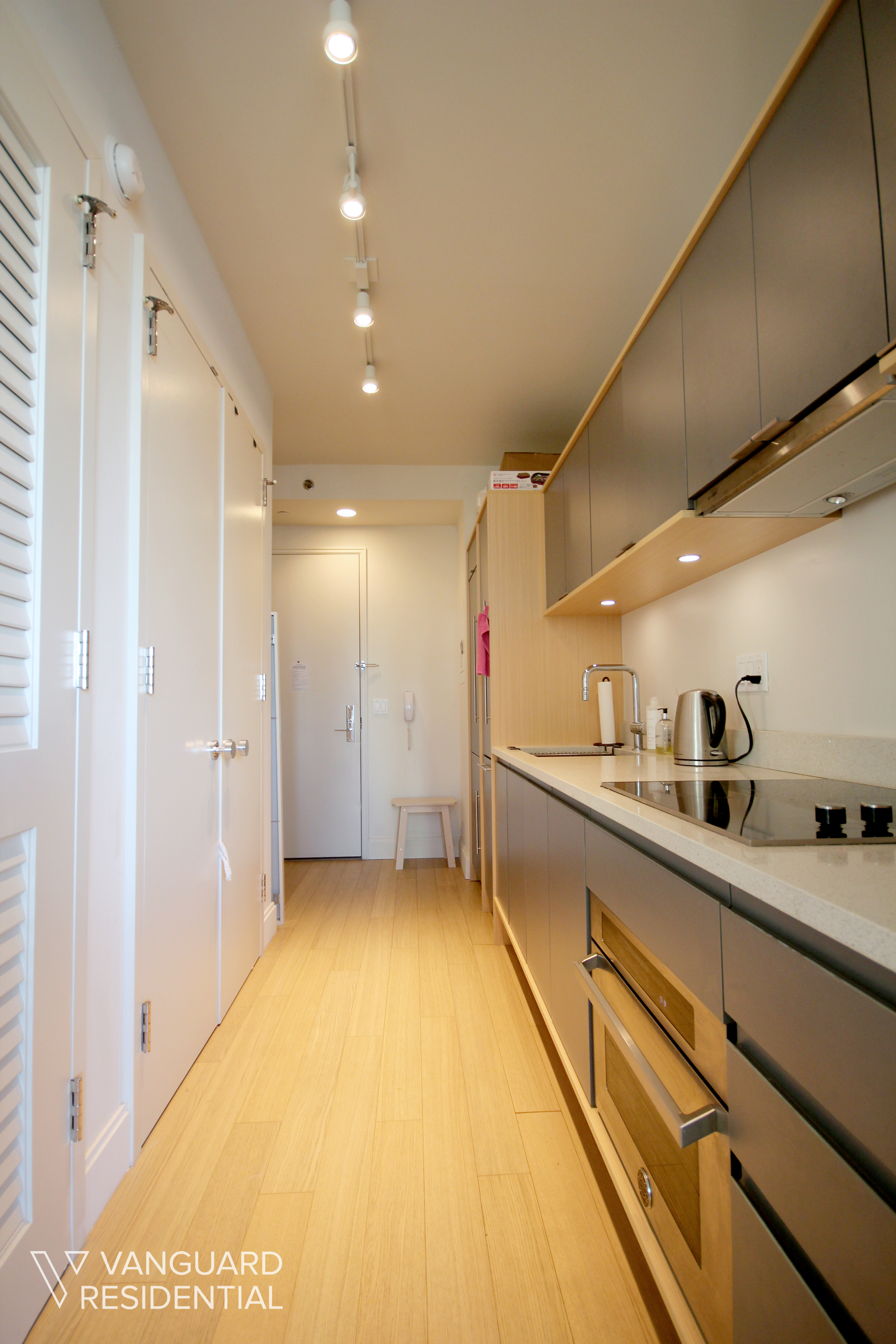 citypoint-30d-kitchen.jpg