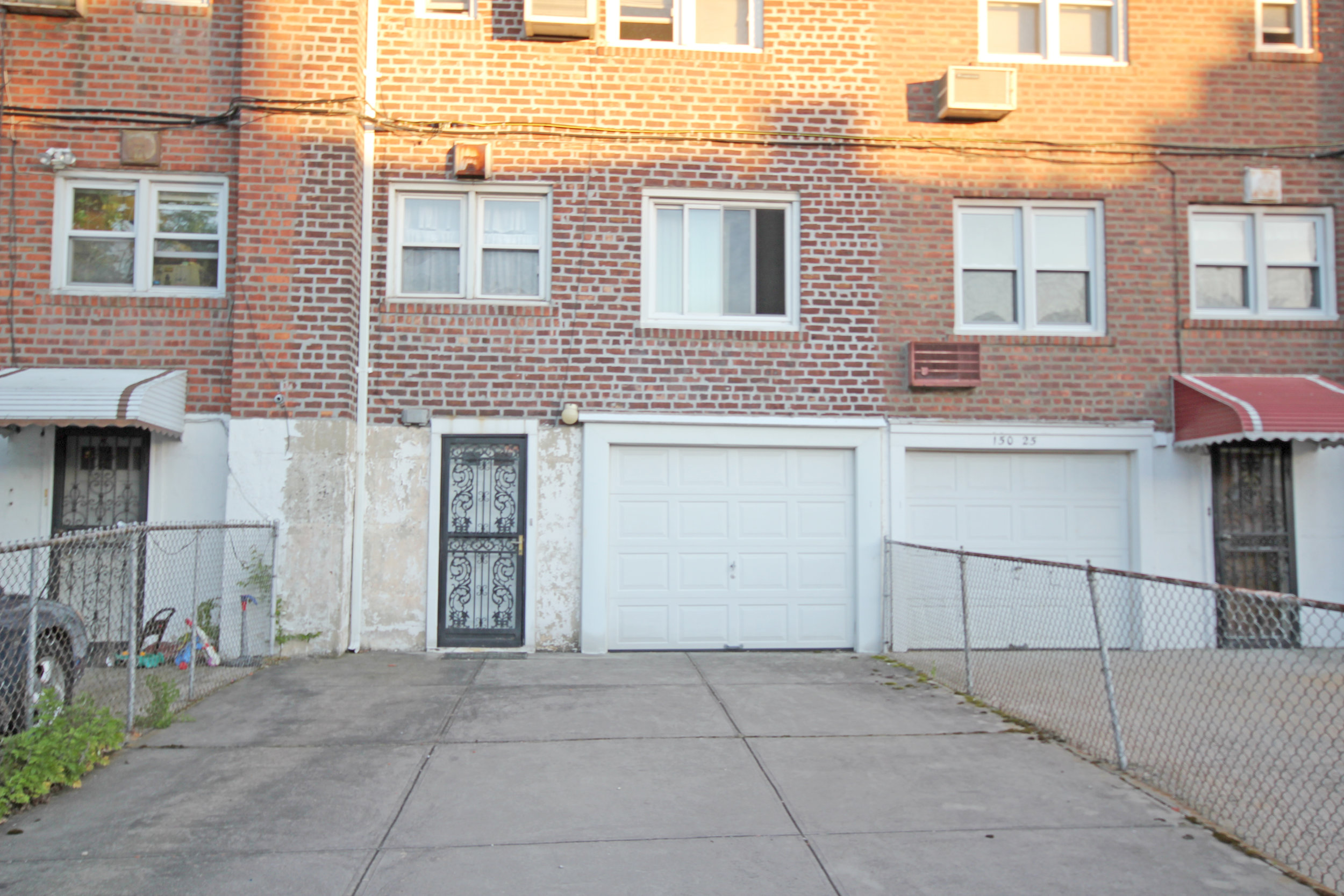 150-31_78th_Ave_garage_exterior.jpg