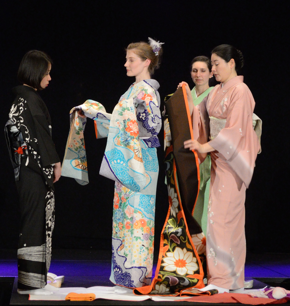 Kimono Fashion Show with Kuniko Kanawa at T-MODE | Photo Gerardo Ramirez