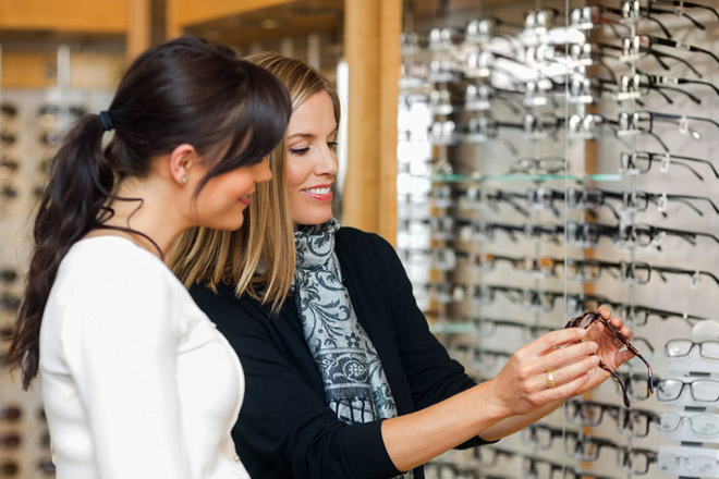 Choosing-Eyeglasses.jpg