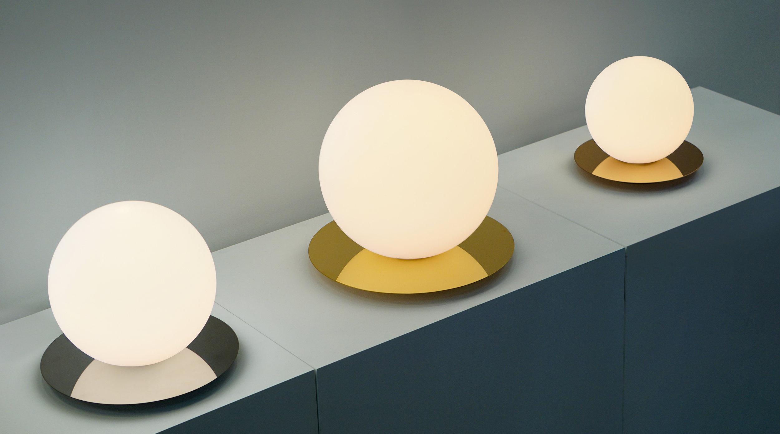 Bola Sphere Table, Evironmental, Trade Show 2_300.jpg