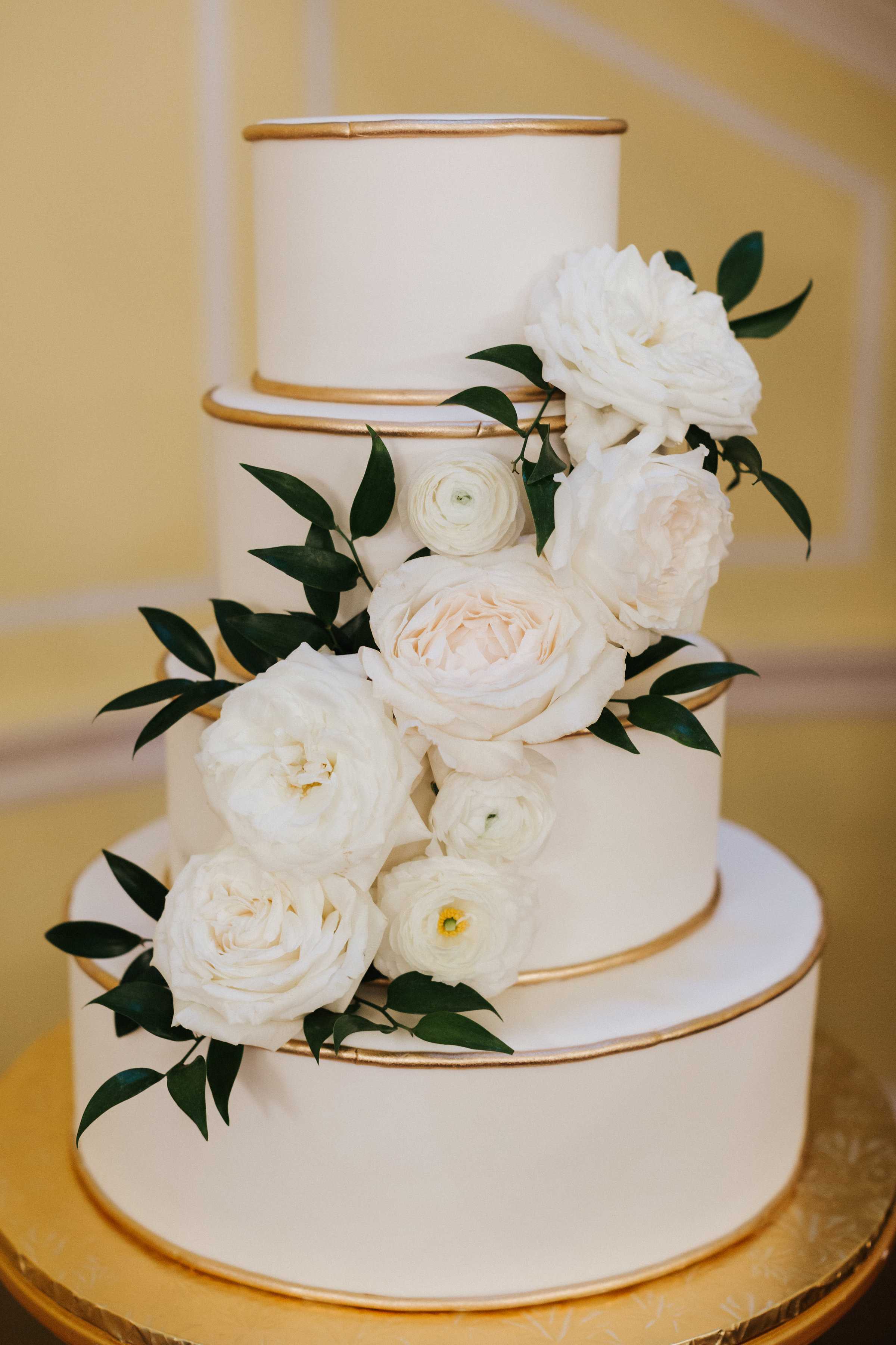 Photo by Monika Gauthier // Cake by PPHG