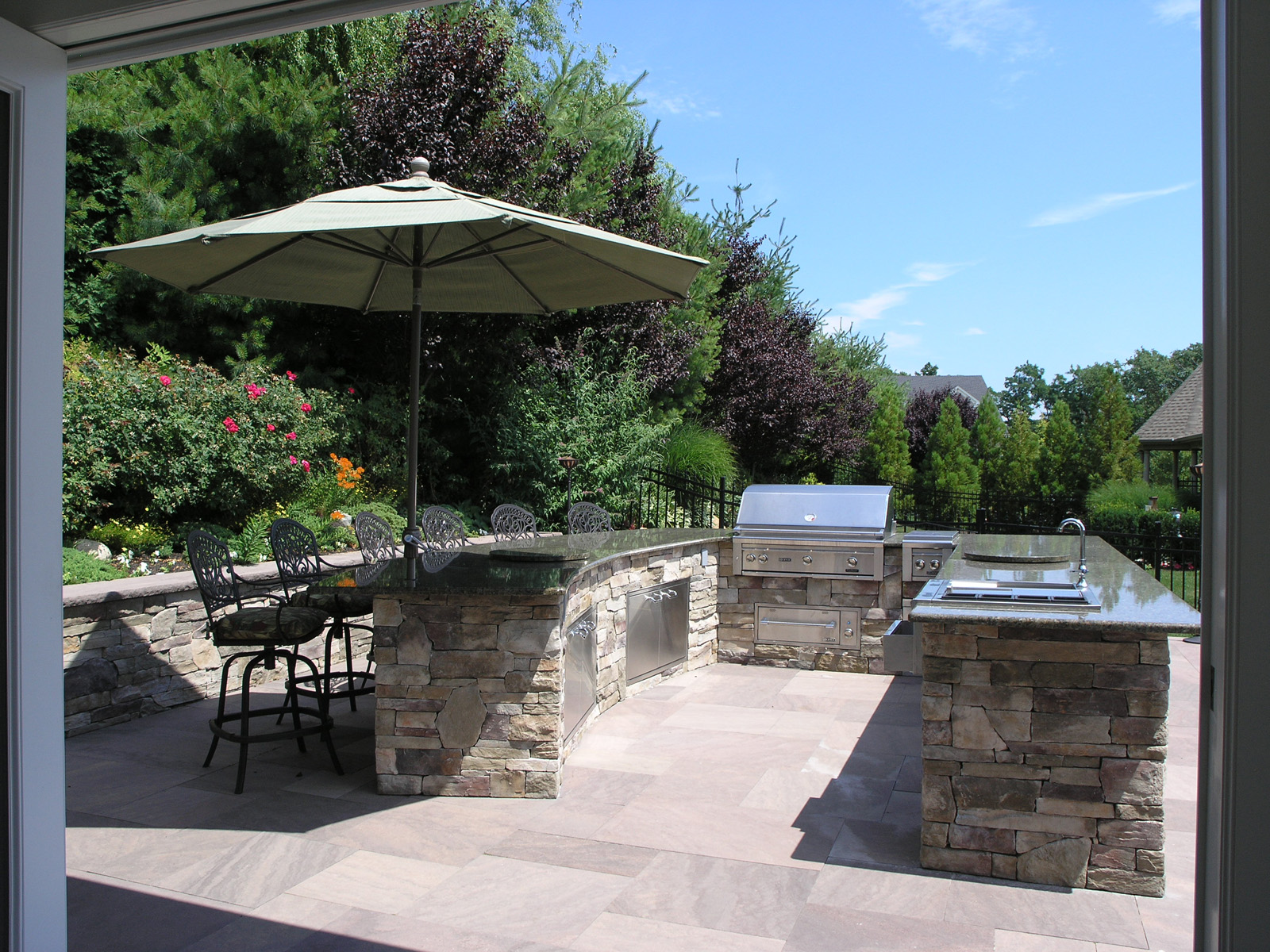 Professional outdoor kitchen landscape design company in Long Island, NY