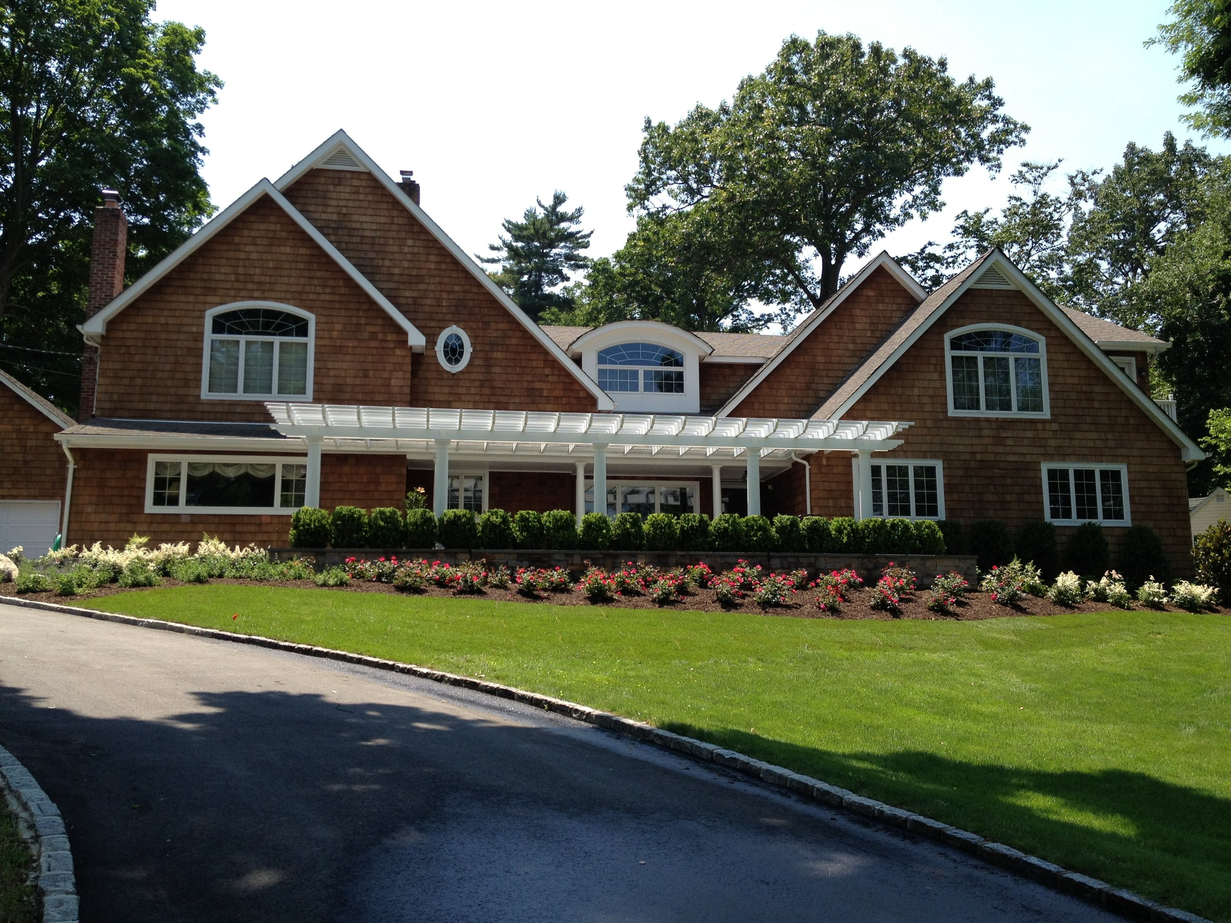 Professional flower planting design in Long Island, NY