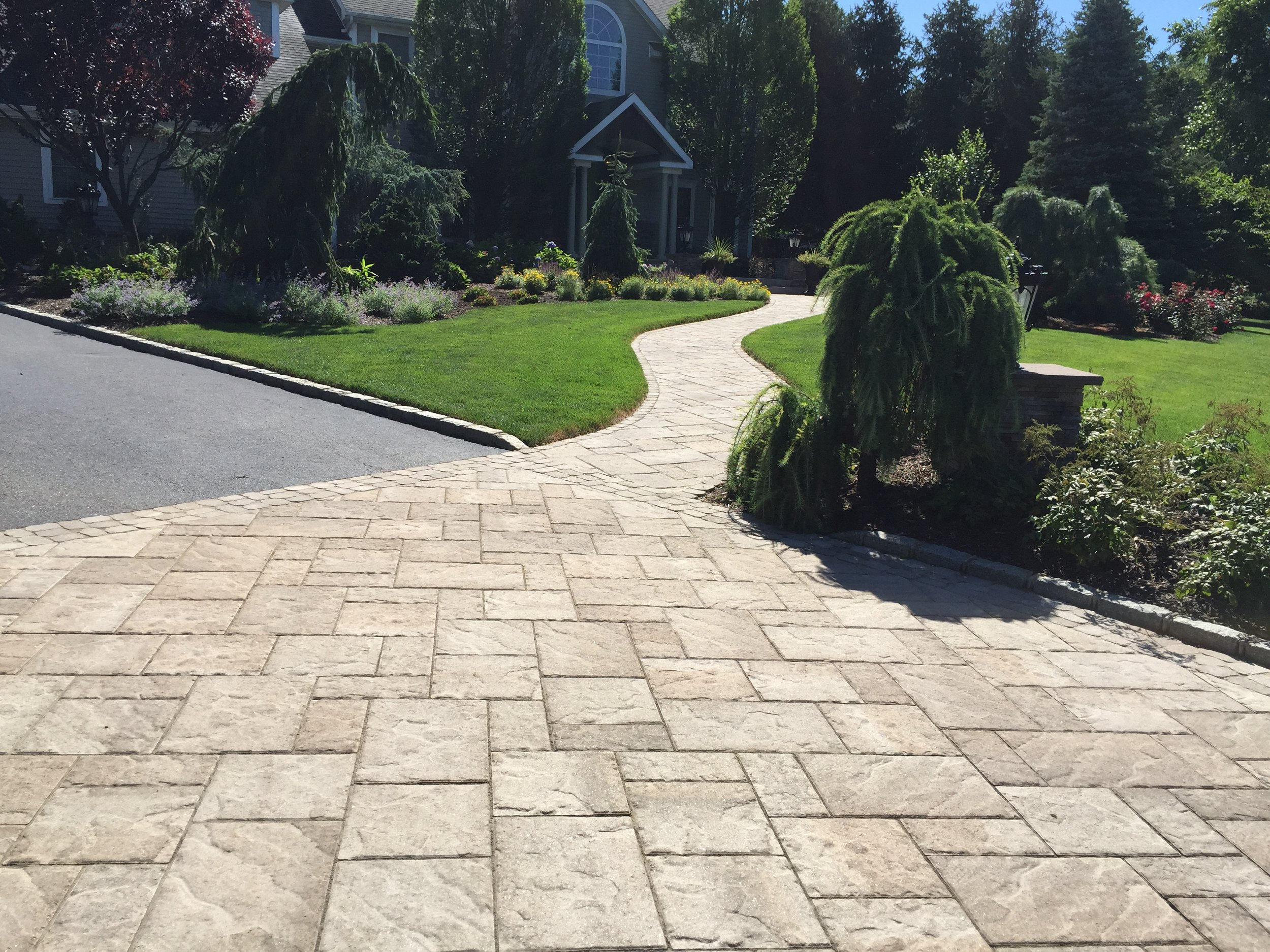 Top landscape design driveway paver in Long Island, NY