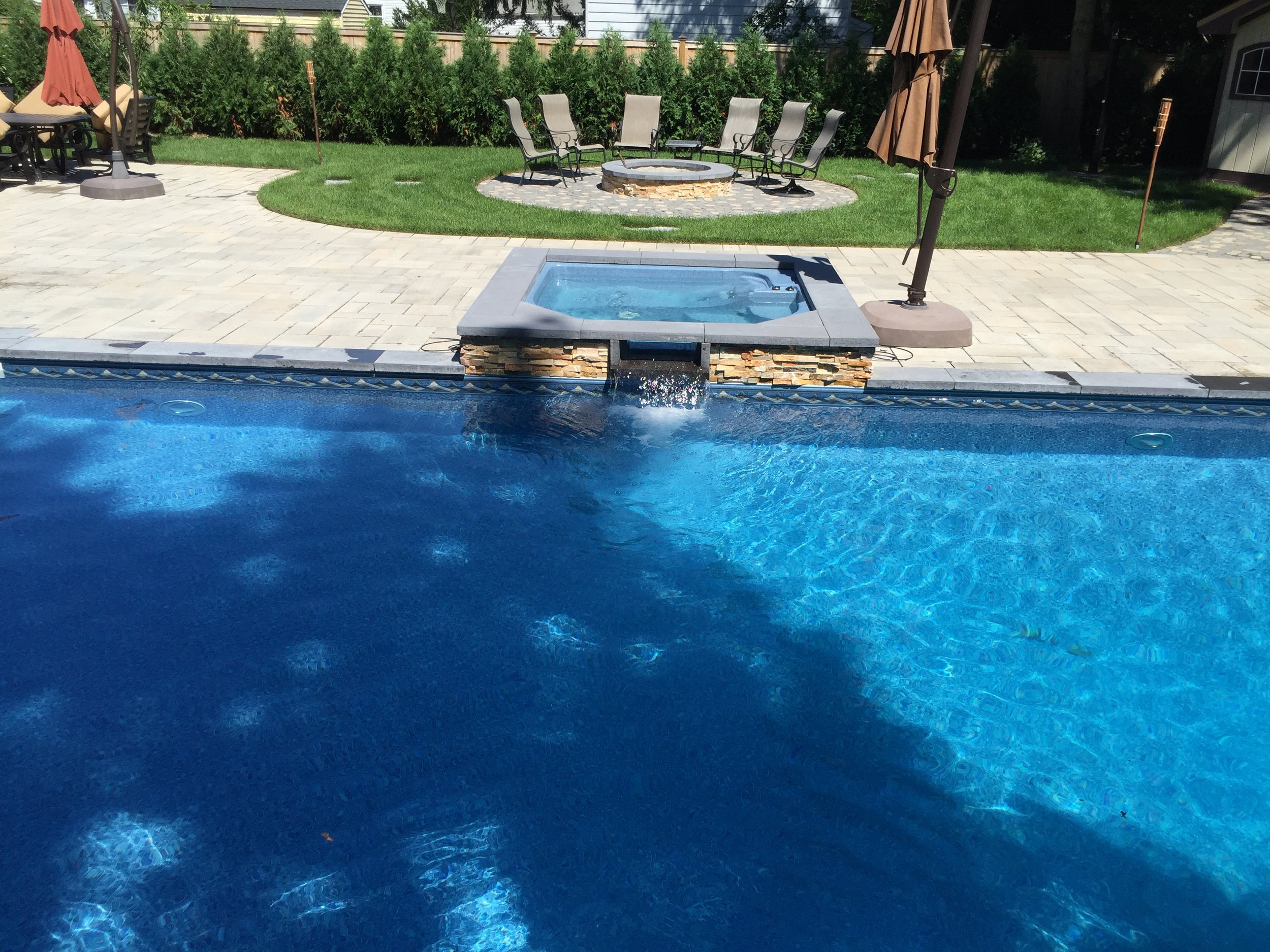 Top fiberglass pool design company in Long Island, NY
