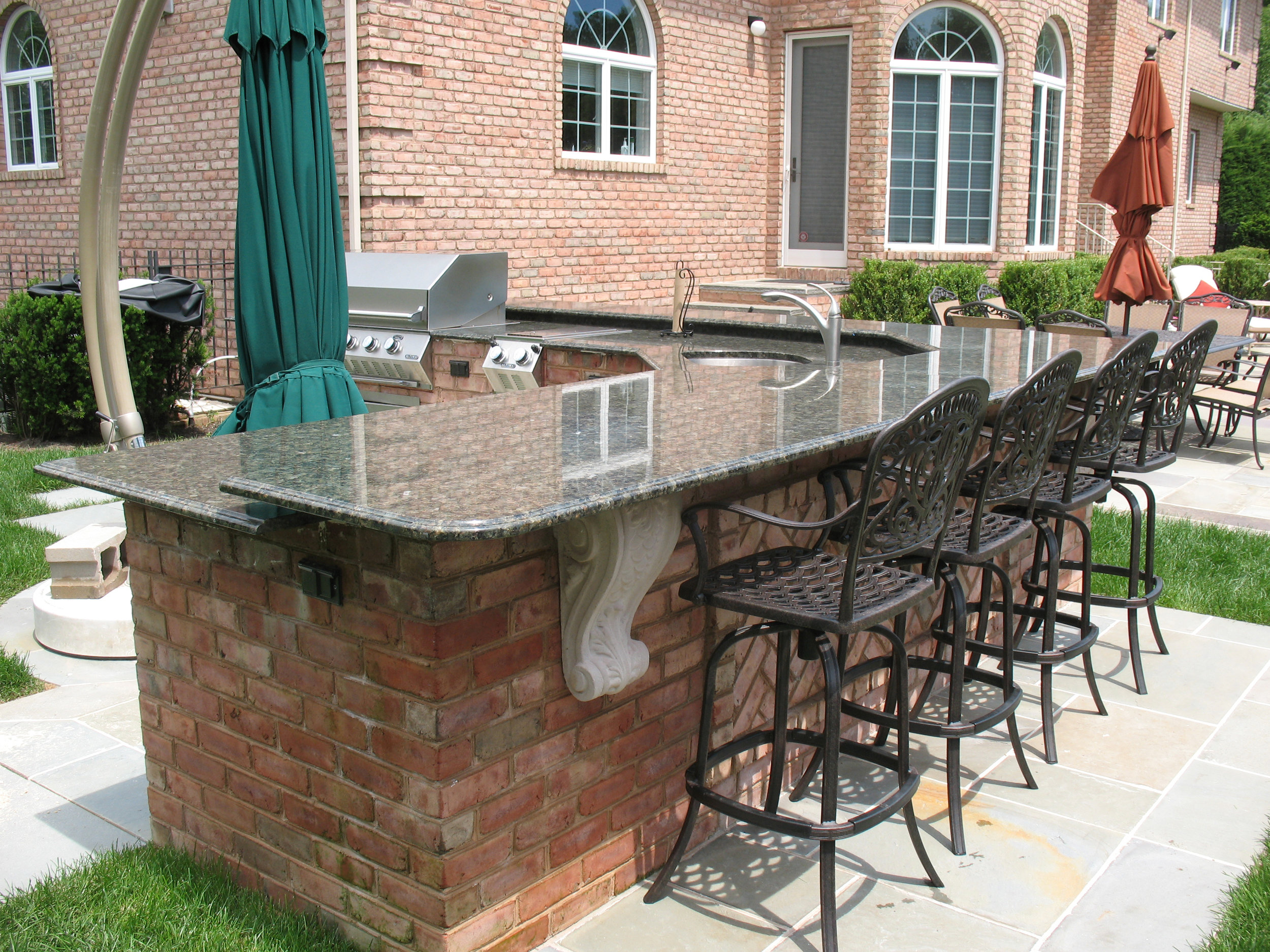 Top outdoor kitchen patio design in Long Island, NY