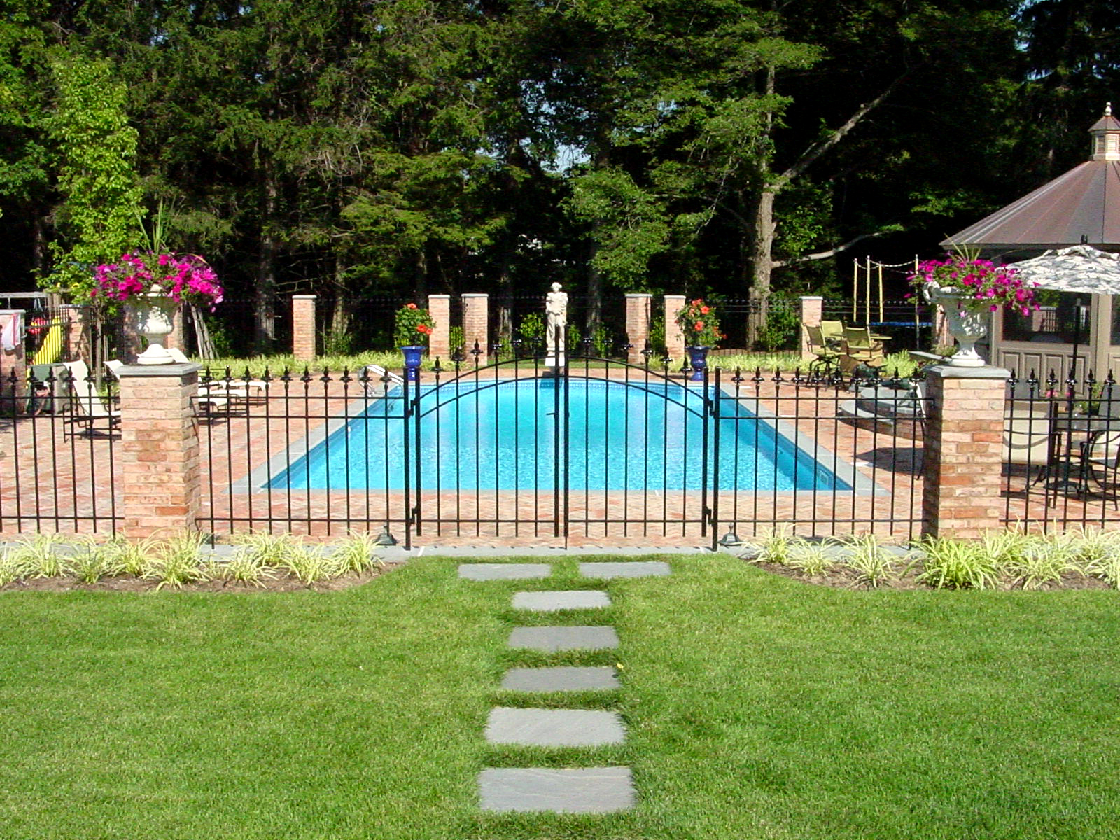 Top outdoor pool design company in Long Island, NY