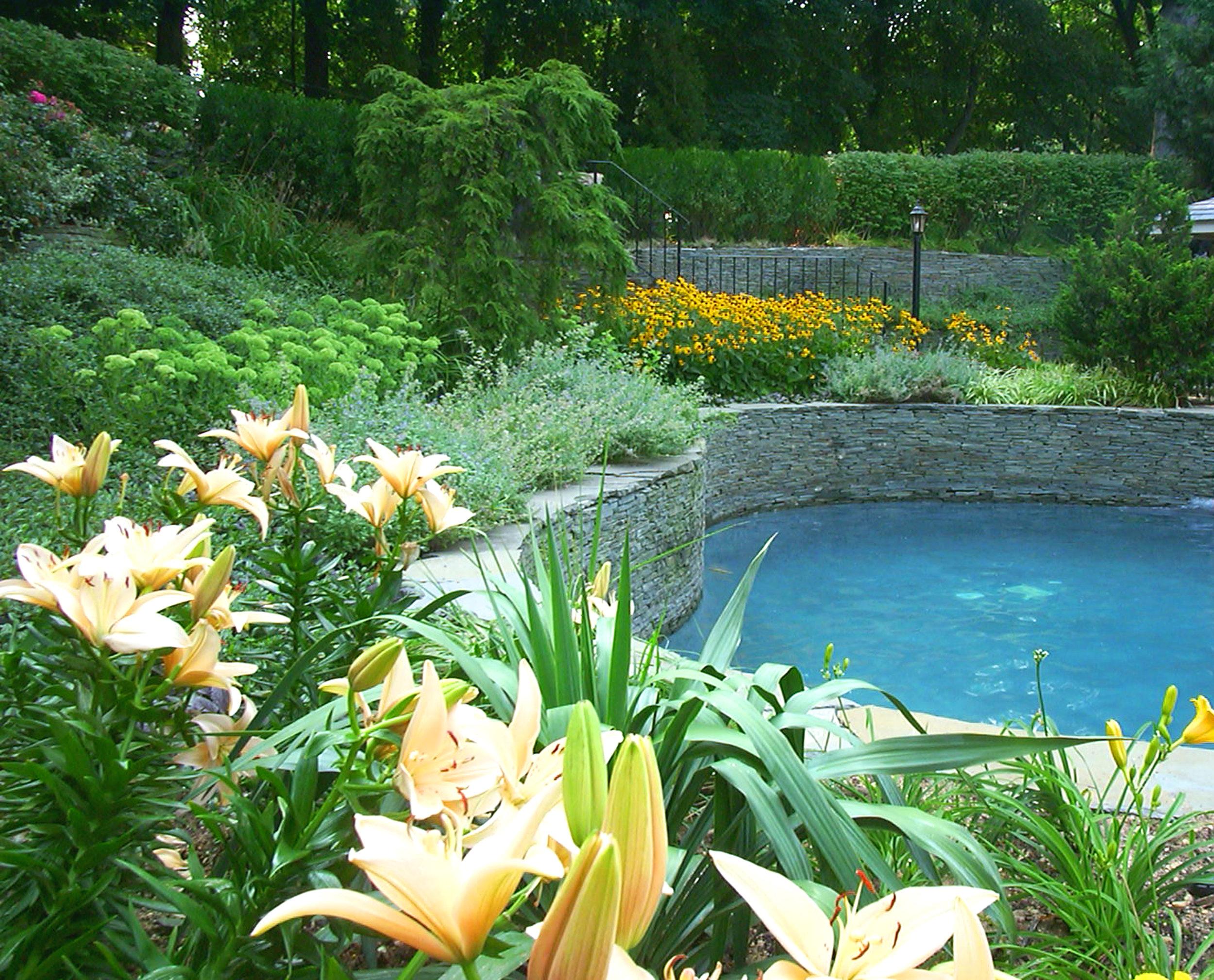 Top landscape flower design in Long Island, NY