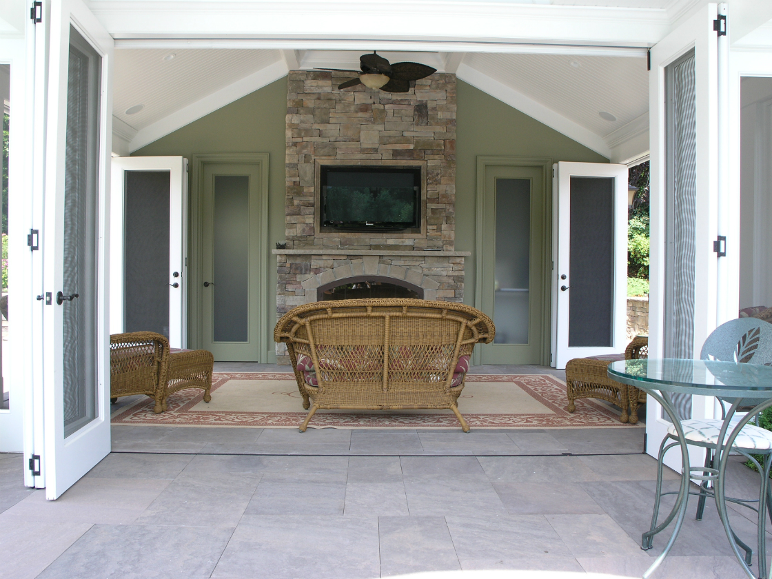 Your Outdoor Fireplace as a Focal Feature of Your Oyster Bay, NY, Landscape