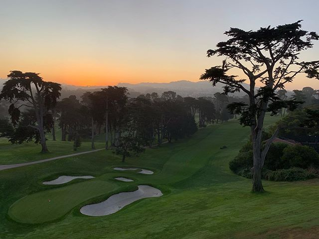 The 18th hole @theolympicclub is ready for our shoot . . . . . #golf #goldenhour #sunrise #beautiful #morningfog #commercialproduction #commercial #advertisment #cinematography #director #commercialshoot #work #amazingview