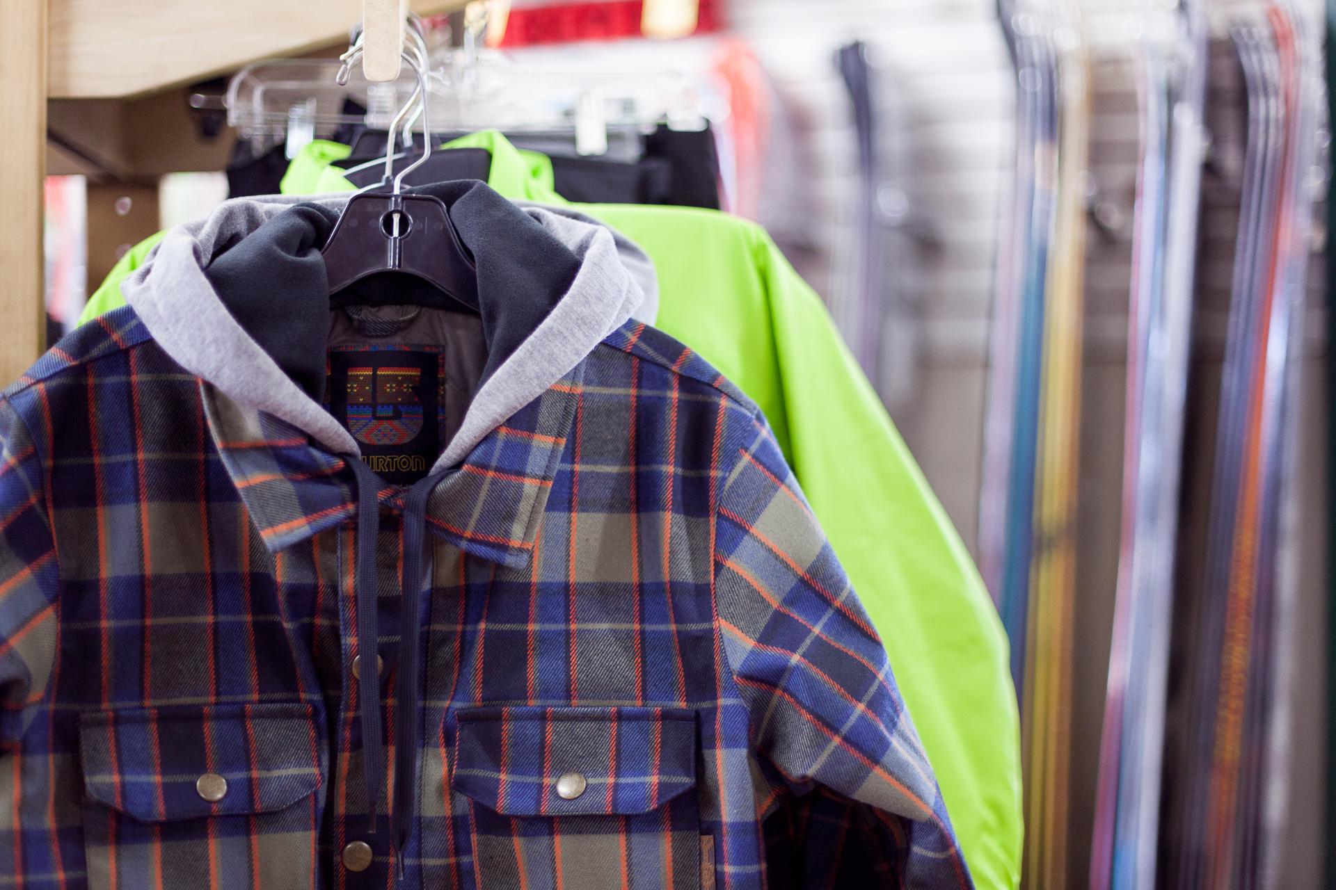 old_town_sports_novato_bike_ski_and_snowboard_shop_burton_mens_jackets