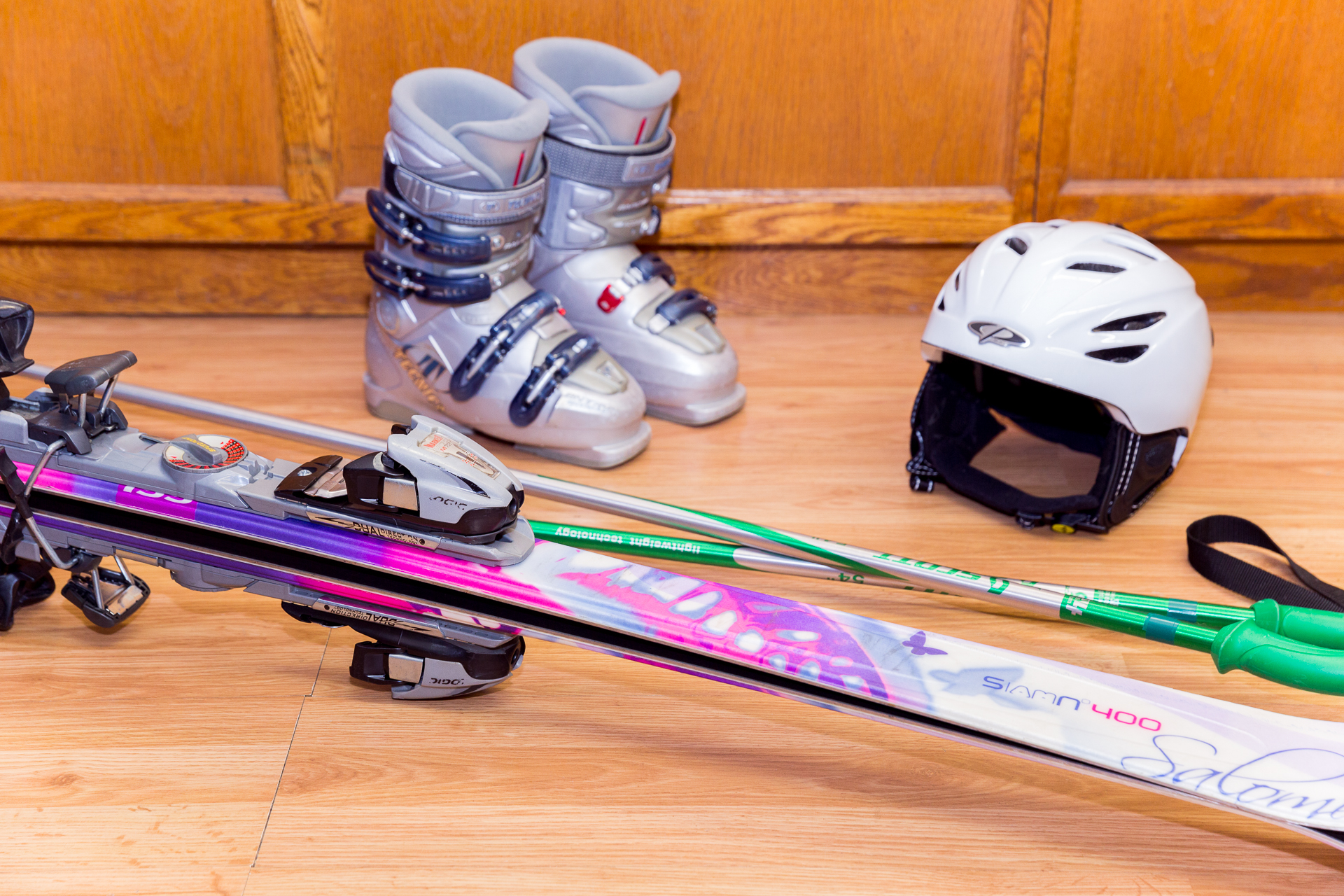 PERFORMANCE SKI & SNOWBOARD PACKAGE - 140CM - 180CM  // Performance Skis ranging from Atomic, K2, Salomon, & Volkl // Performance Snowboards ranging from Burton, Head, Morrow, Sol, & LTD   RATES : // We do not charge for the day you pick up or return. Free travel days! // Helmets are an additional $7 for the first day & $3 every day after that. 1 DAY - $34.99 2 DAY - $49.99 3 DAY - $64.99 EXTRA DAYS - $15.00 (Per Day) SEASON - $249.99 Adult Package picked up prior to January 1, 2019 SEASON - $199.99 Adult Package picked up after January 1, 2019