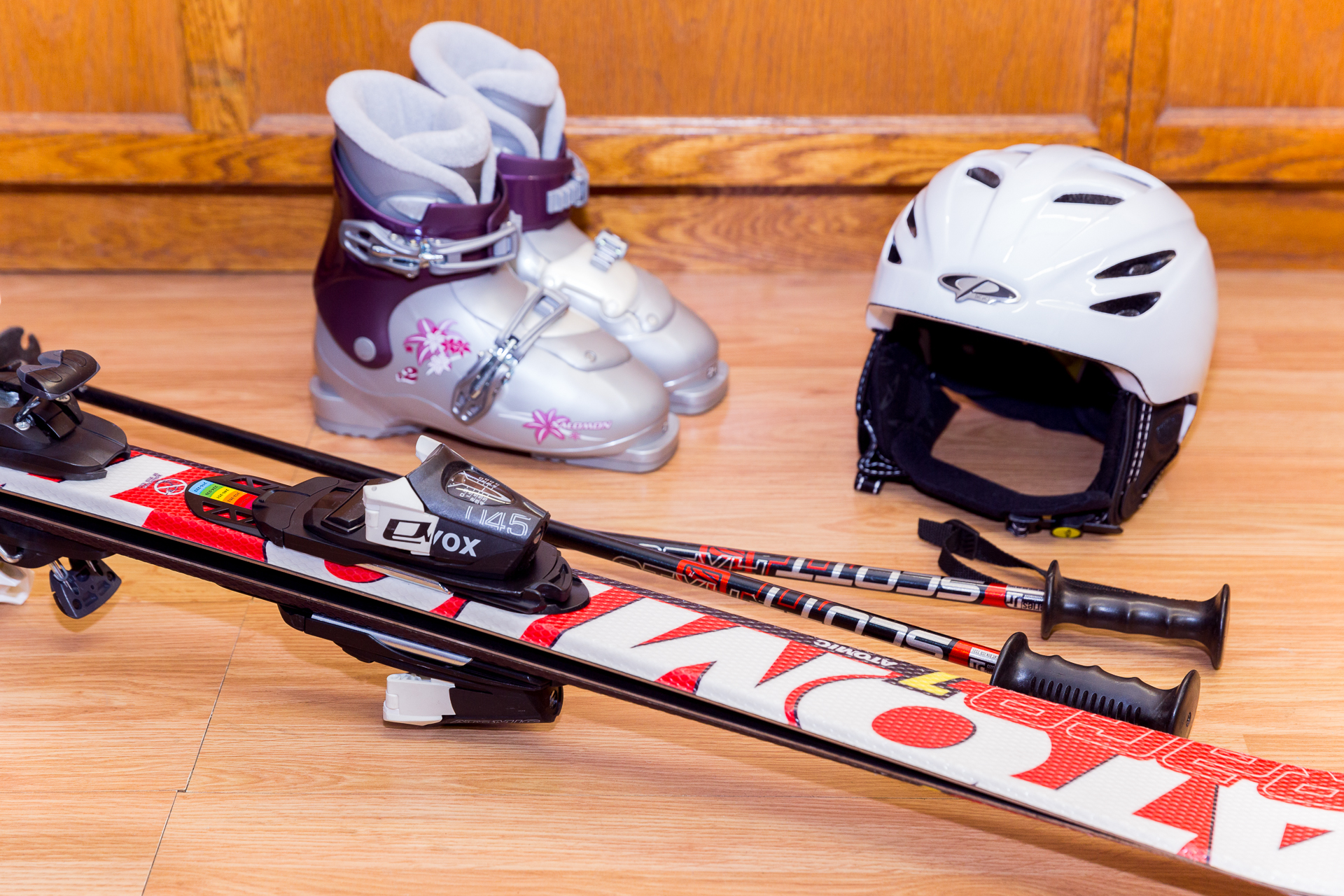 KID'S SKI & SNOWBOARD PACKAGE (GIRLS) - 80CM - 130CM  // Kid's Performance Skis ranging from Atomic, K2, Head, & Volkl // Kid's Performance Snowboards ranging from Burton, Lamar, Sol, K2, Ride, & Rossi   RATES : // We do not charge for the day you pick up or return. Free travel days! // Helmets are an additional $7 for the first day & $3 every day after that. 1 DAY - $21.99 2 DAY - $31.99 3 DAY - 41.99 EXTRA DAYS - $10.00 (Per Day) SEASON - $169.99 Kid's Package picked up prior to January 1, 2019 SEASON - $139.99 Kid's Package picked up after January 1, 2019