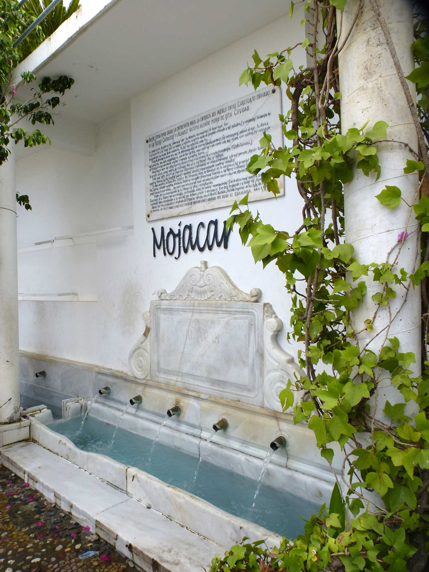 mojacar-fountain.jpg